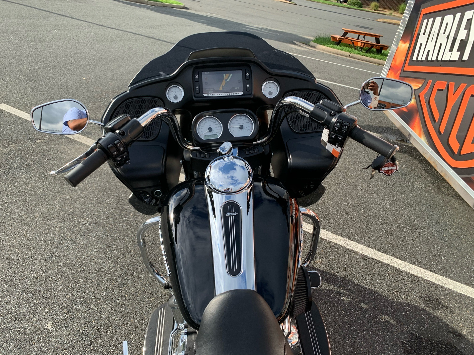 2018 Harley-Davidson Road Glide® in Fredericksburg, Virginia - Photo 17