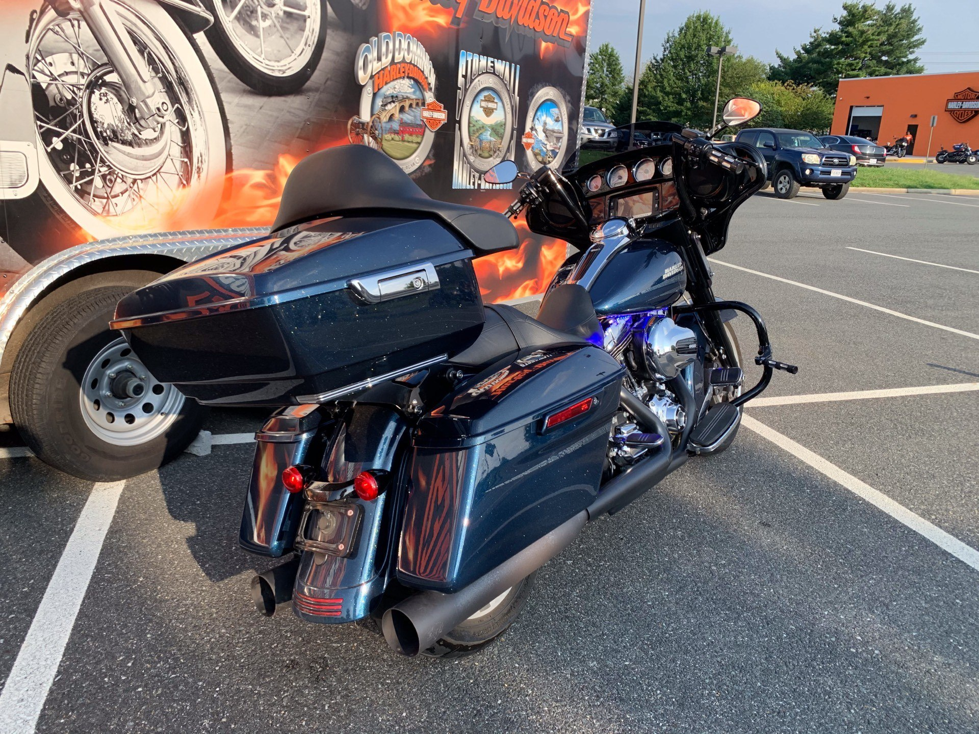 2016 Harley-Davidson Street Glide® Special in Fredericksburg, Virginia - Photo 9