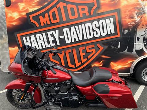2018 Harley-Davidson Road Glide® Special in Fredericksburg, Virginia - Photo 2