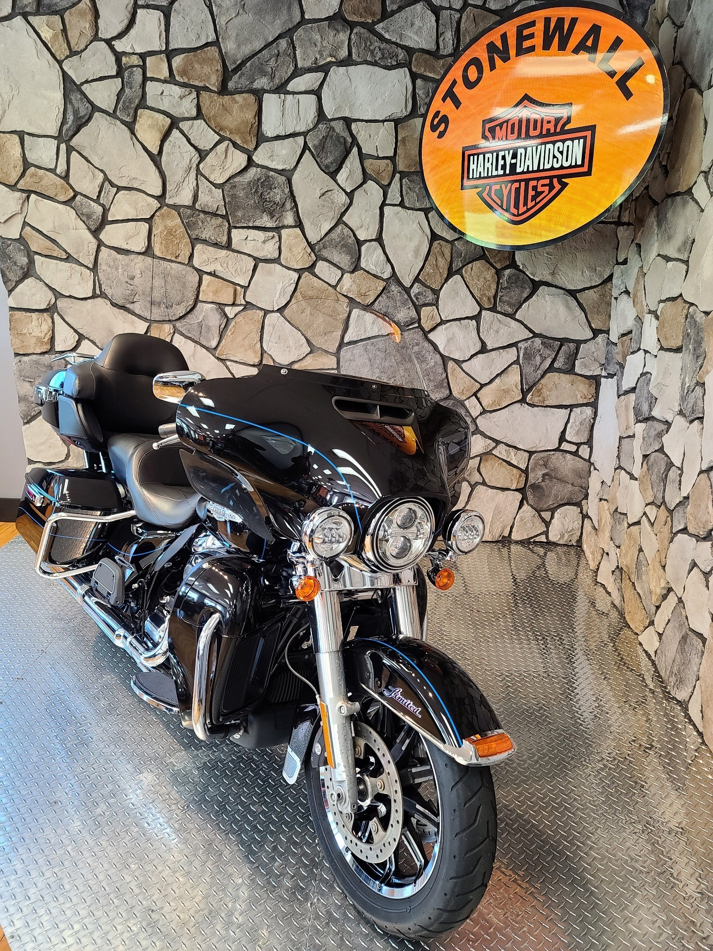 2017 Harley-Davidson Ultra Limited in Orange, Virginia - Photo 2