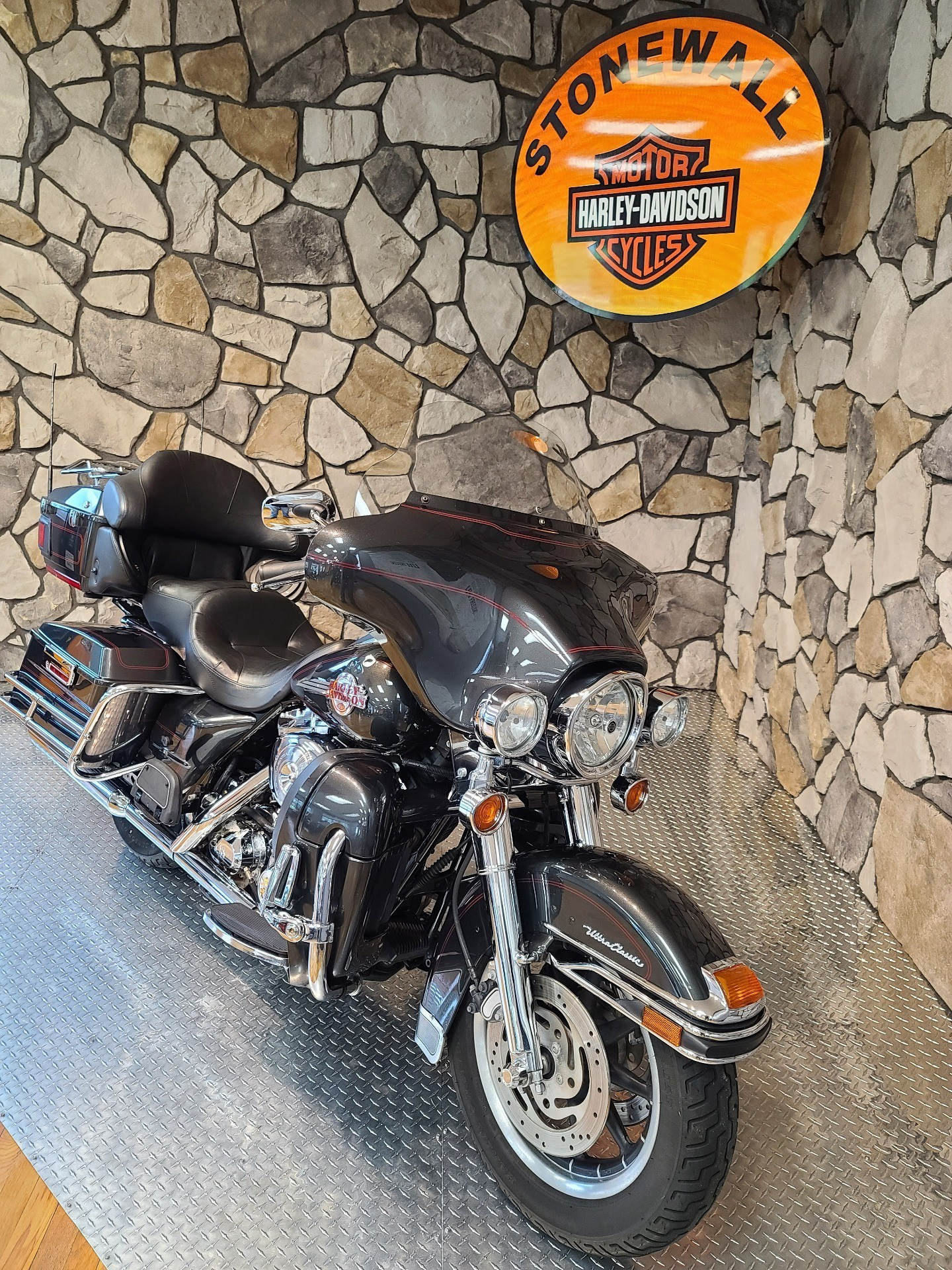 2006 Harley-Davidson Ultra Classic® Electra Glide® in Orange, Virginia - Photo 3