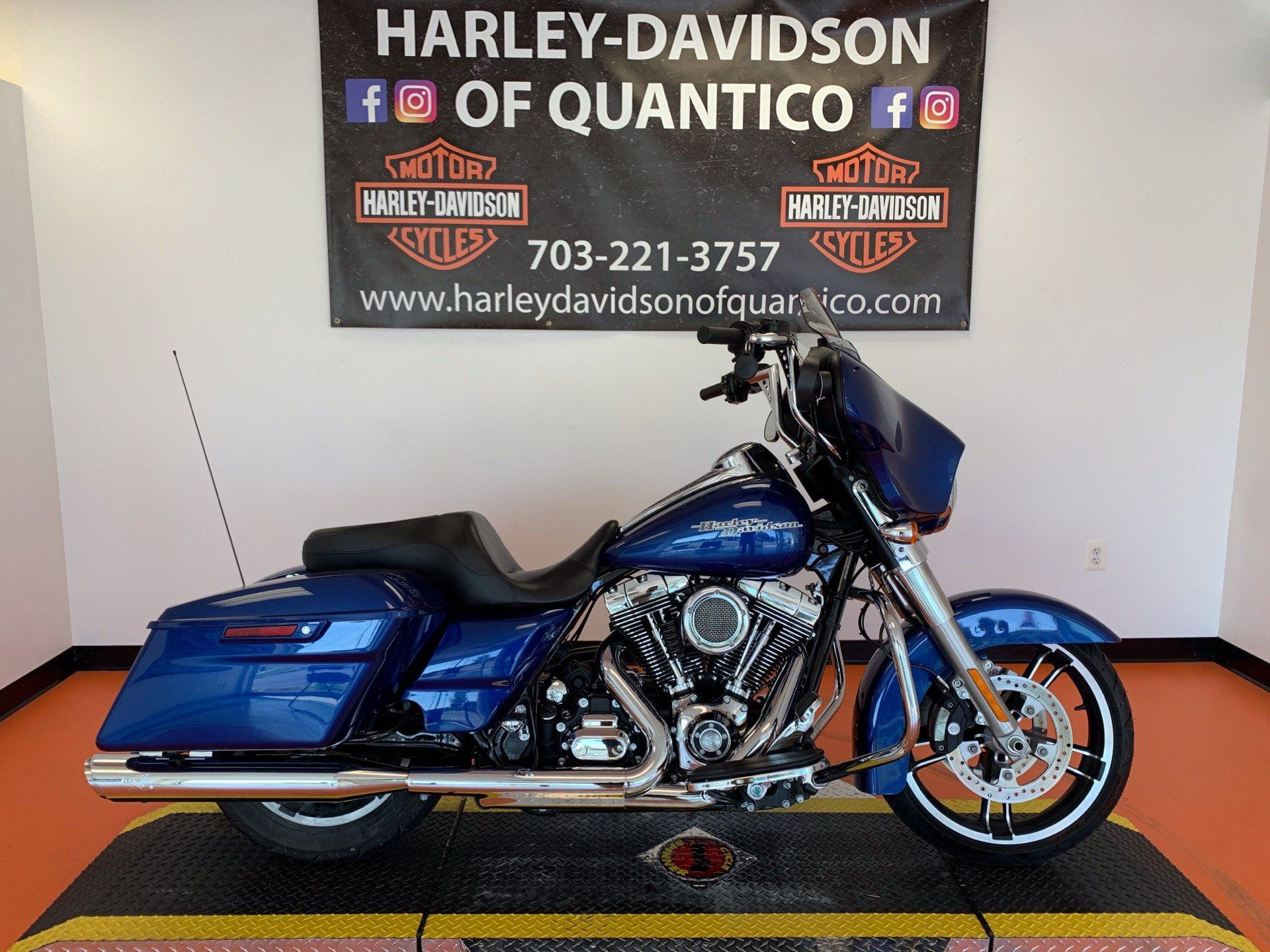 2016 Harley-Davidson Street Glide® in Dumfries, Virginia - Photo 1