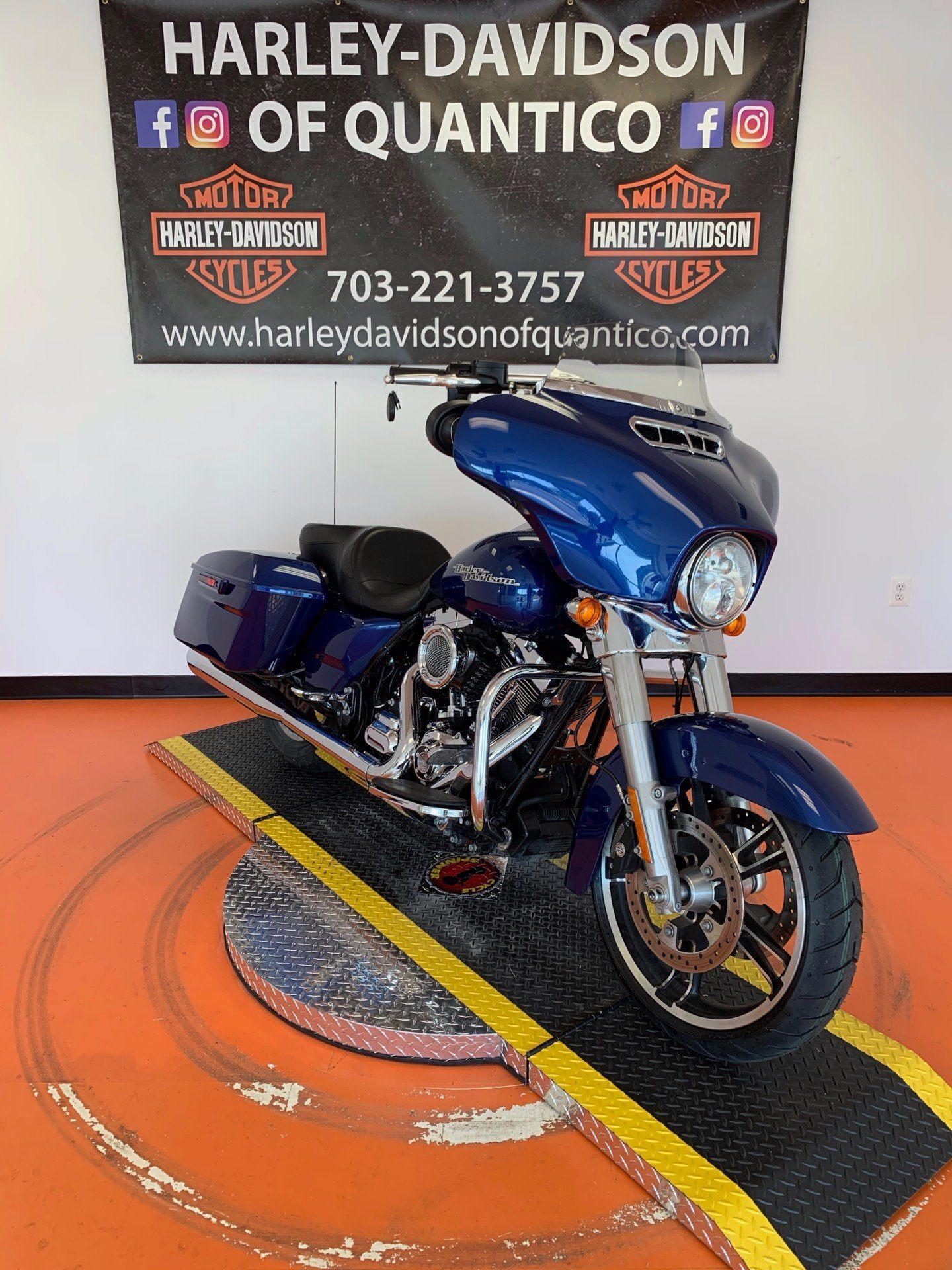 2016 Harley-Davidson Street Glide® in Dumfries, Virginia - Photo 9