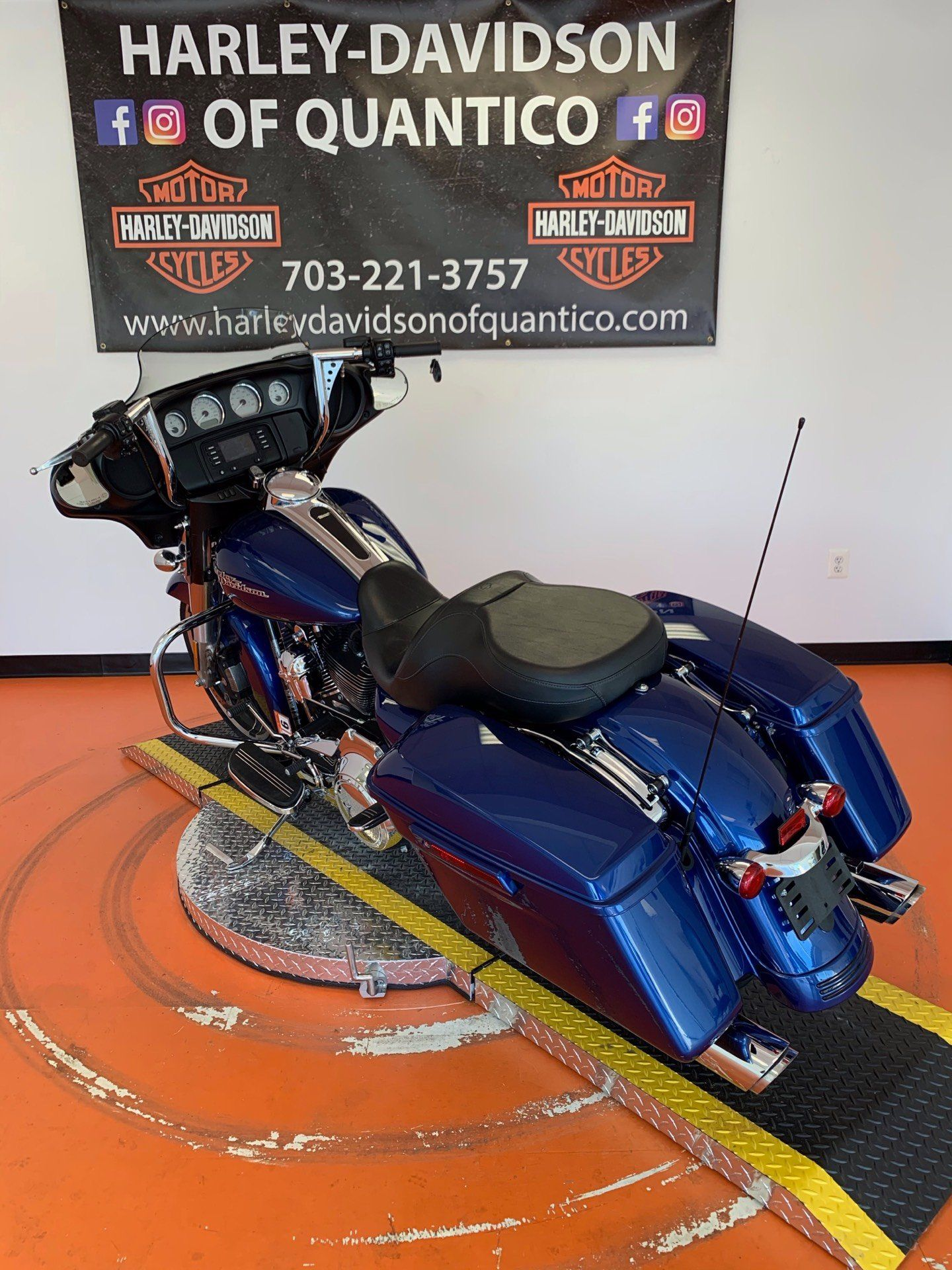 2016 Harley-Davidson Street Glide® in Dumfries, Virginia - Photo 15