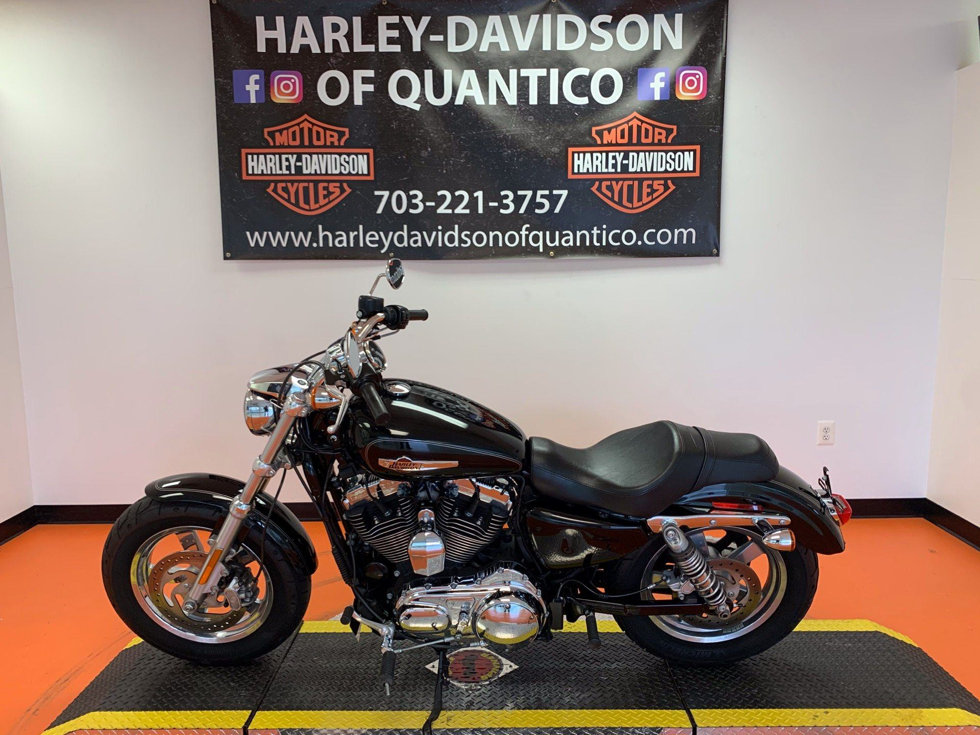 2016 Harley-Davidson 1200 Custom in Dumfries, Virginia - Photo 9