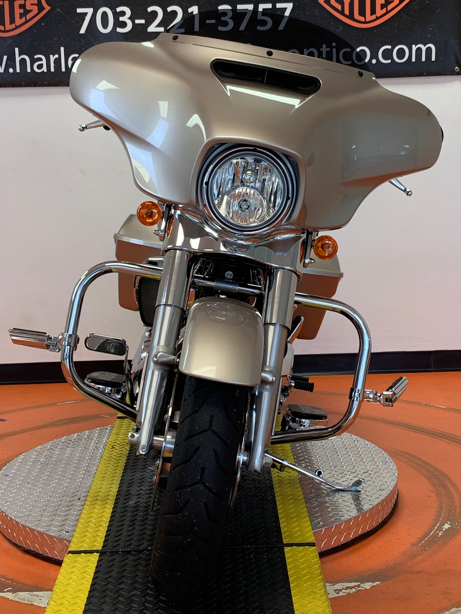 2018 Harley-Davidson Street Glide® in Dumfries, Virginia - Photo 7