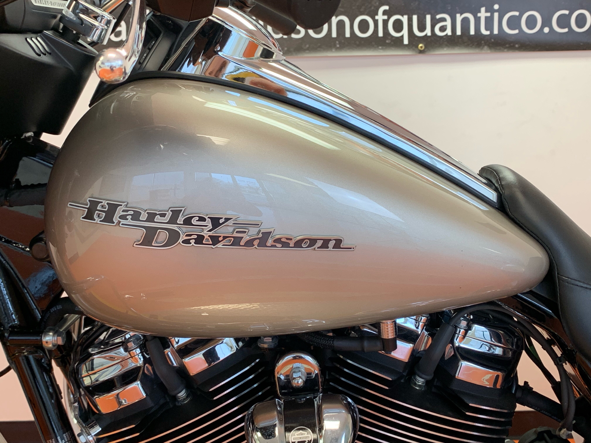 2018 Harley-Davidson Street Glide® in Dumfries, Virginia - Photo 10
