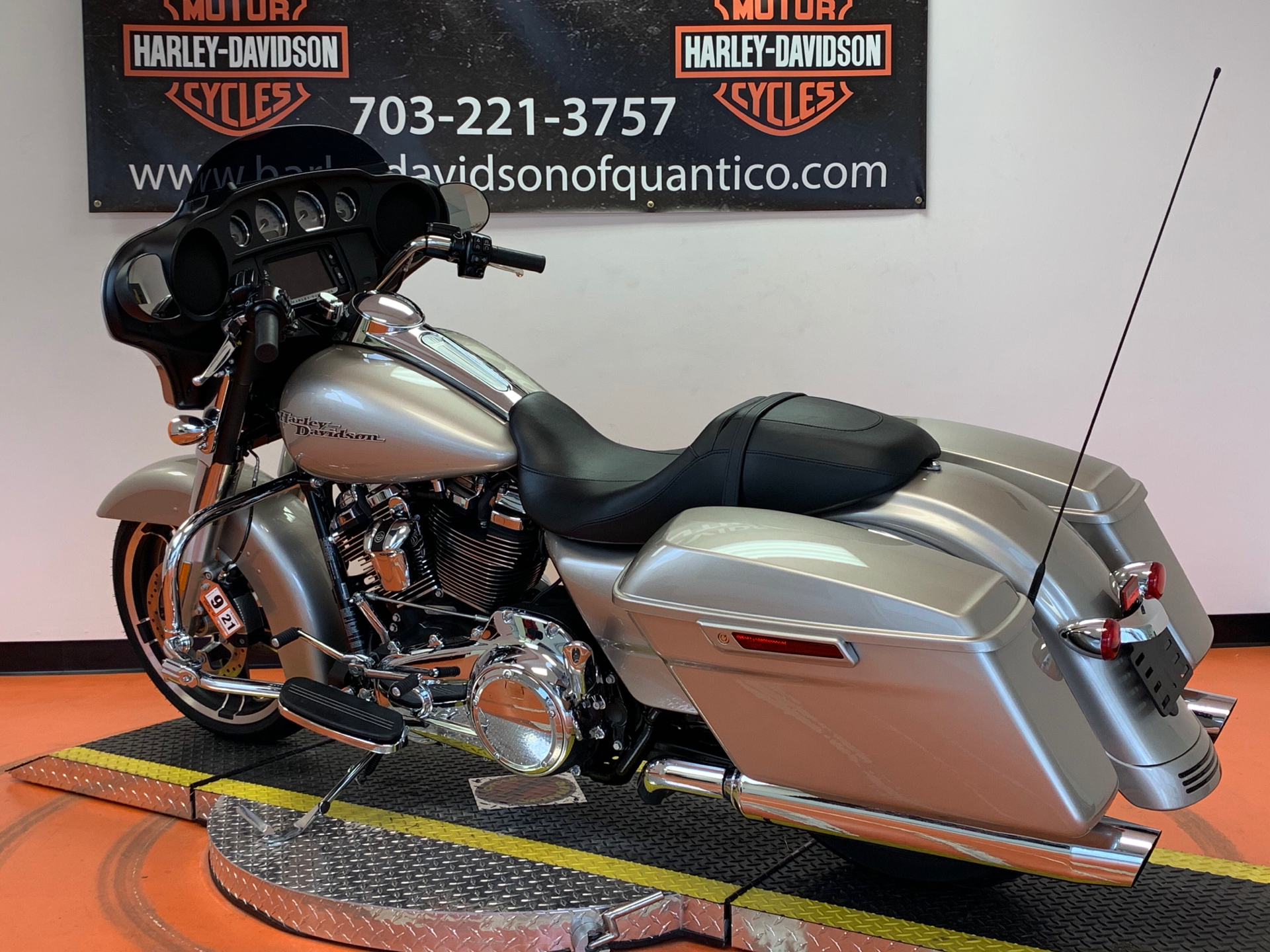 2018 Harley-Davidson Street Glide® in Dumfries, Virginia - Photo 14