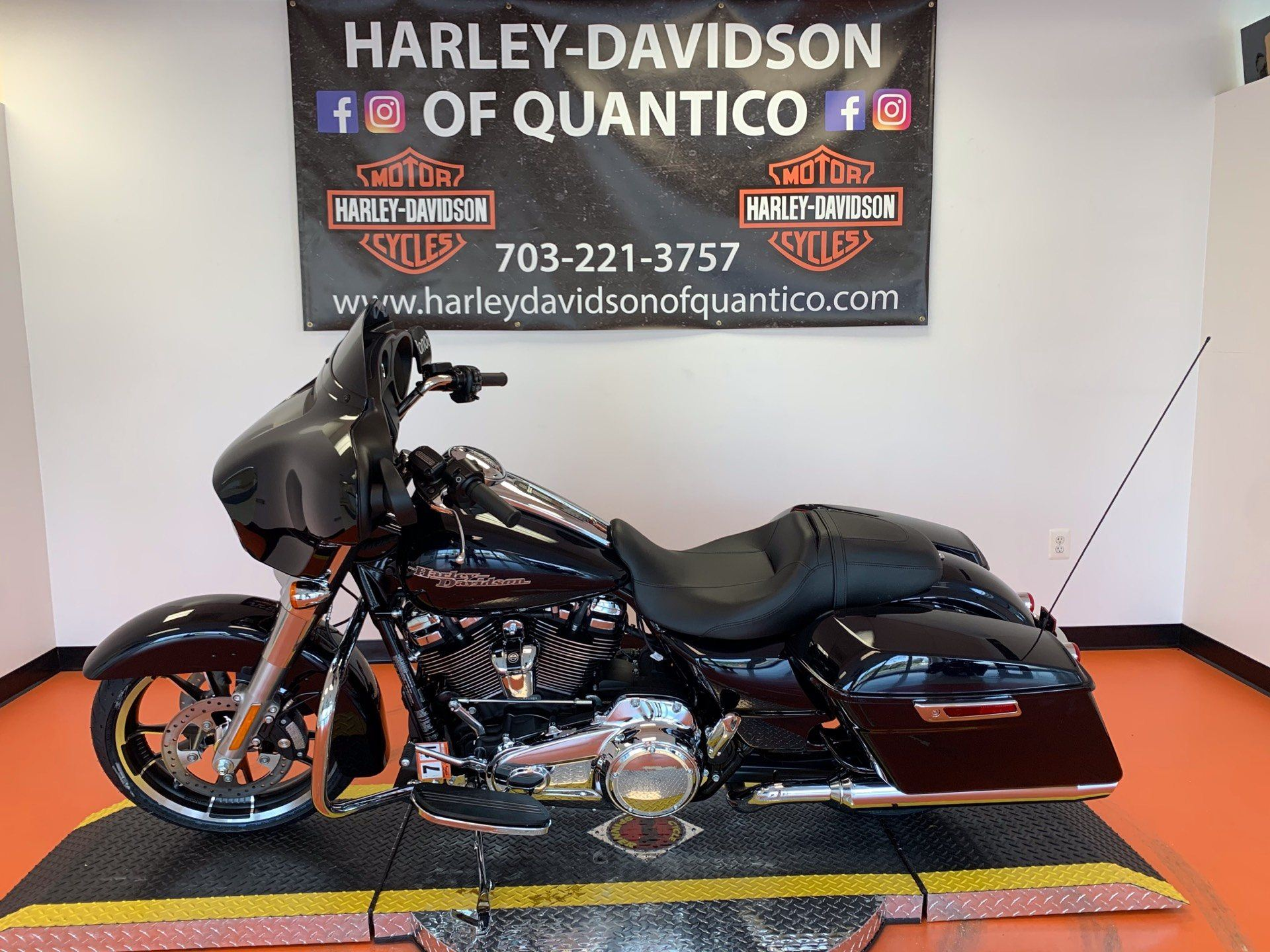 2020 Harley-Davidson Street Glide® in Dumfries, Virginia - Photo 10