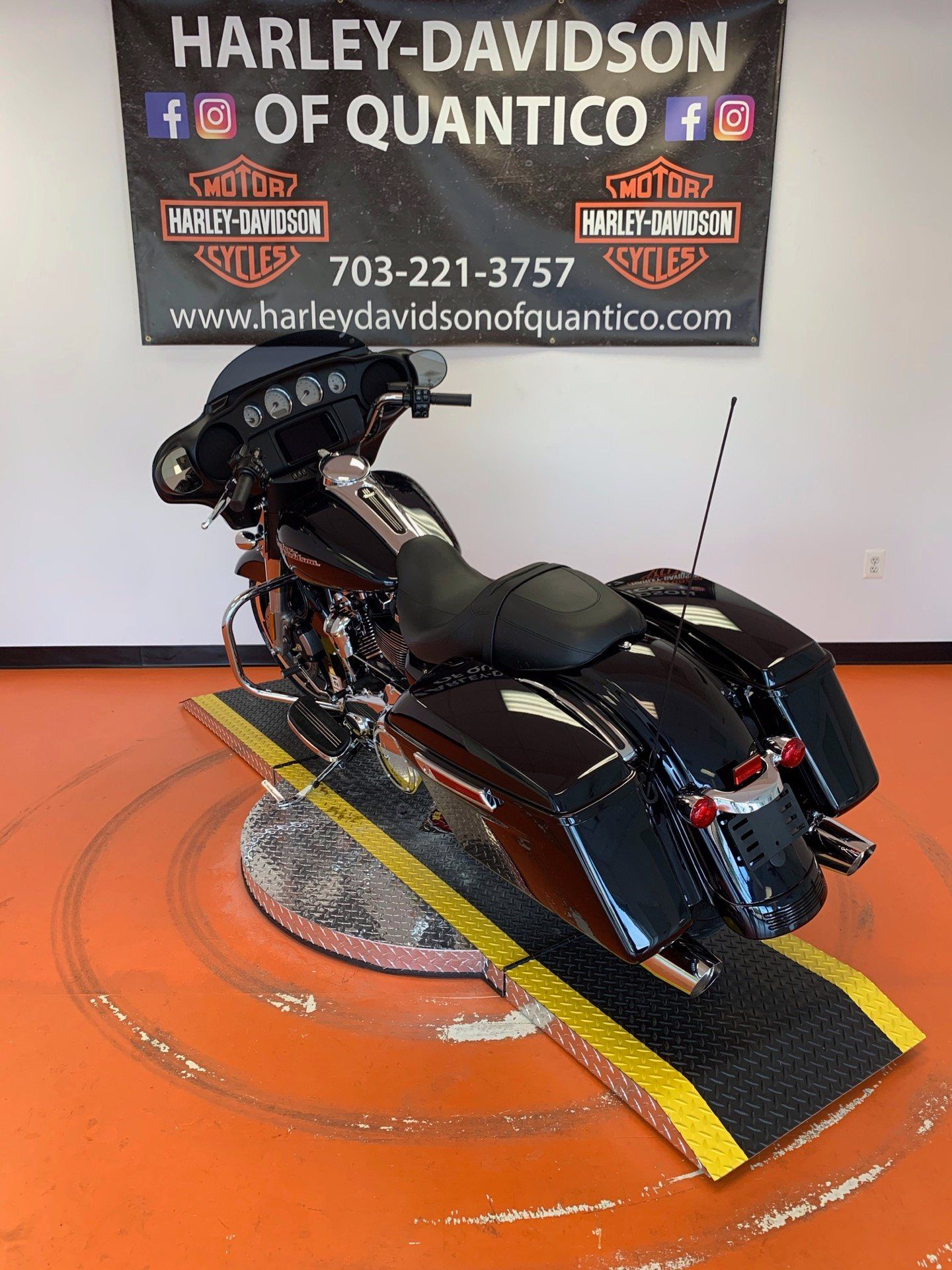 2020 Harley-Davidson Street Glide® in Dumfries, Virginia - Photo 15