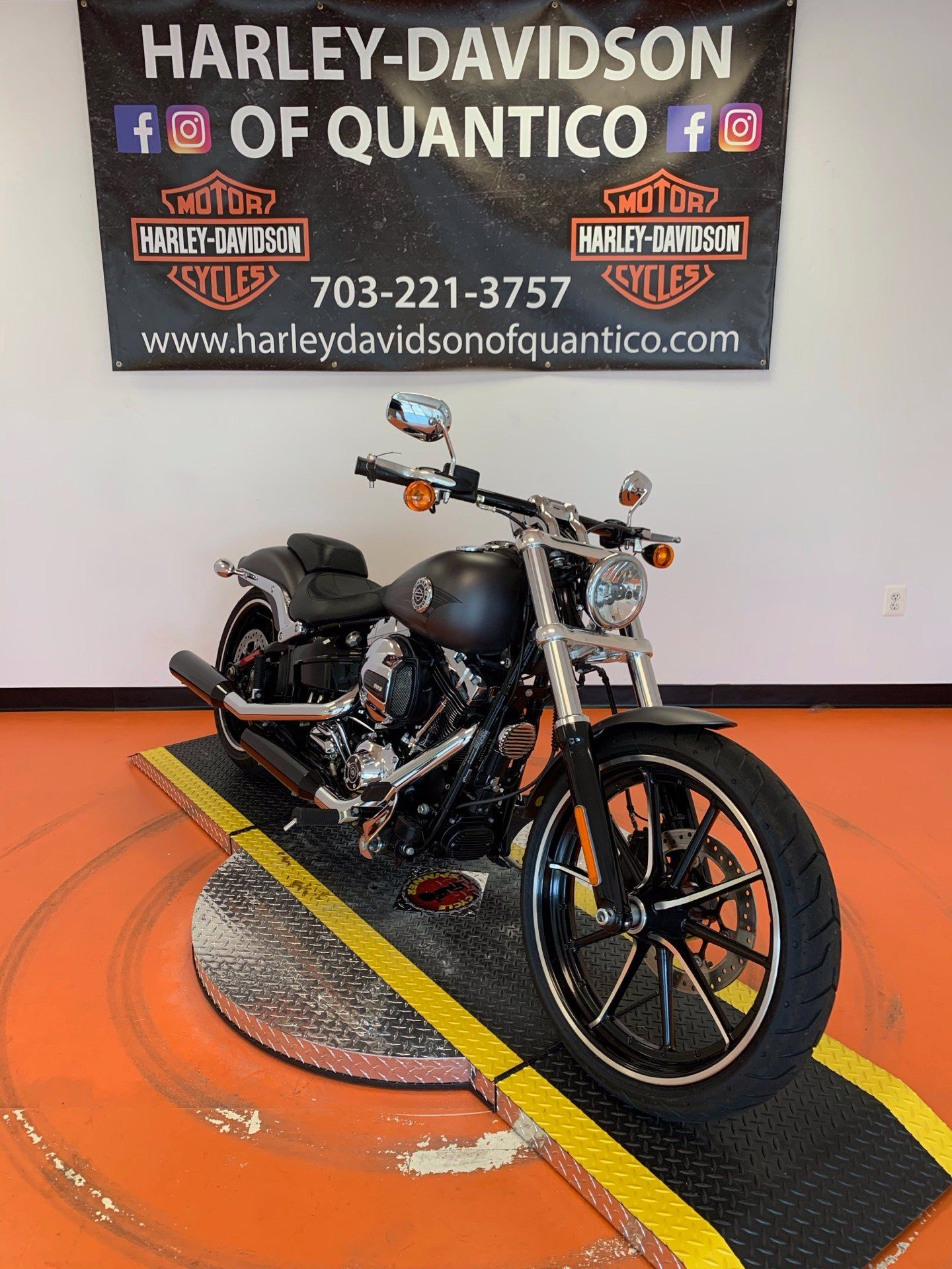 2016 Harley-Davidson Breakout® in Dumfries, Virginia - Photo 7
