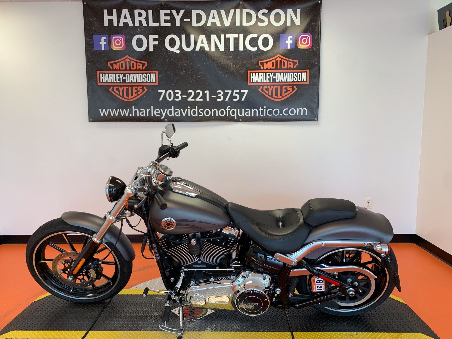 2016 Harley-Davidson Breakout® in Dumfries, Virginia - Photo 9