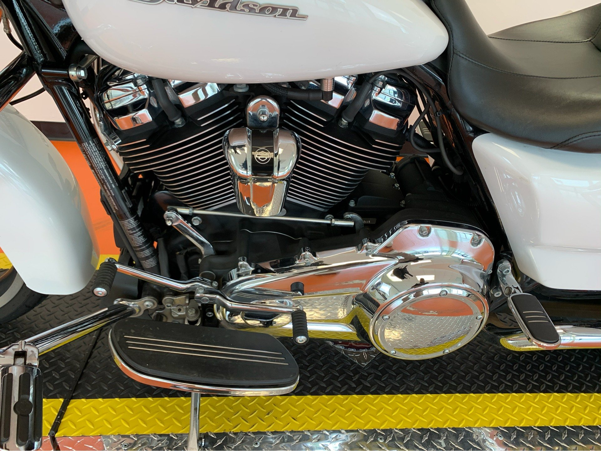 2017 Harley-Davidson Street Glide® Special in Dumfries, Virginia - Photo 12