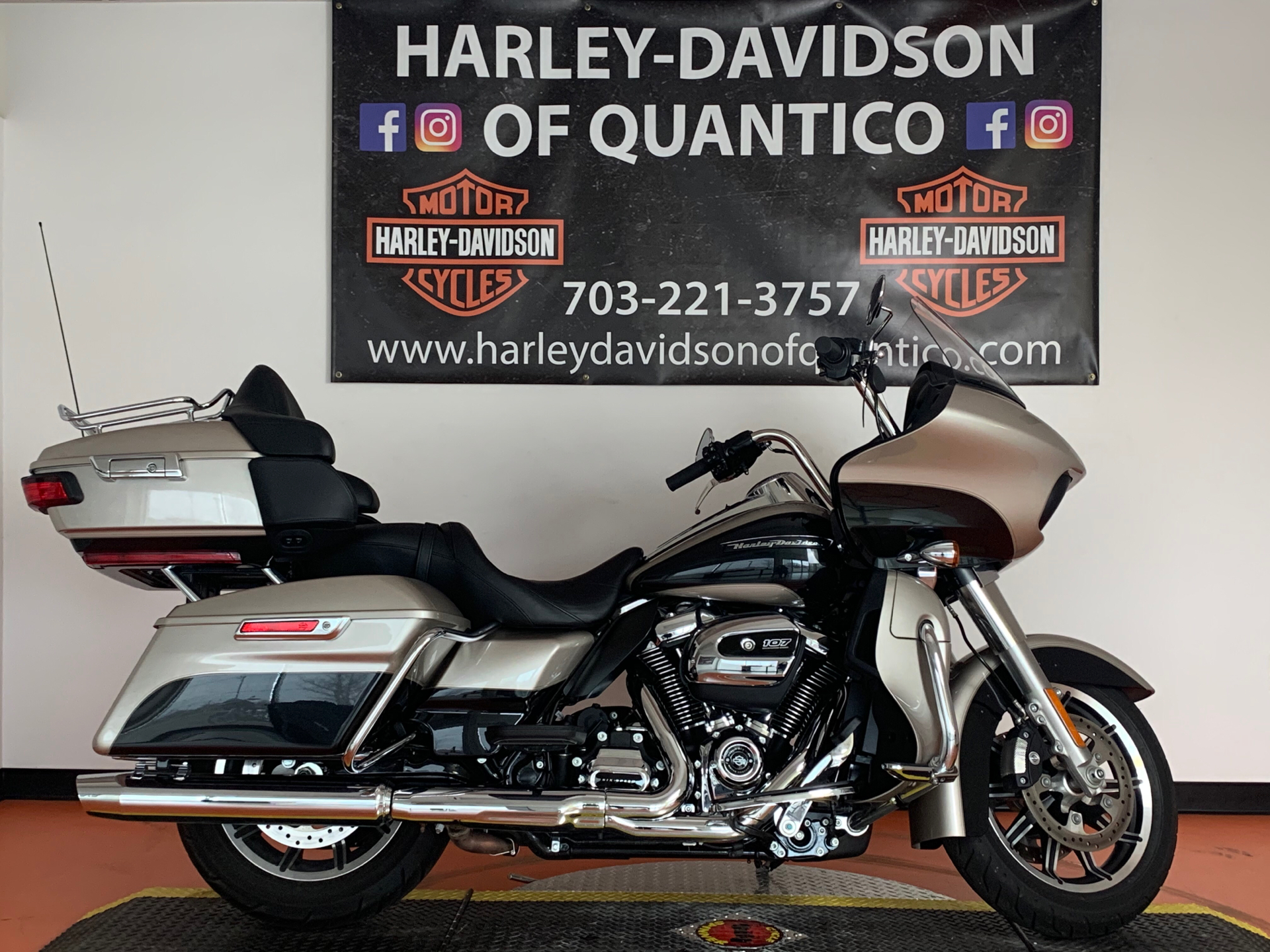 2018 Harley-Davidson Road Glide® Ultra in Dumfries, Virginia - Photo 1