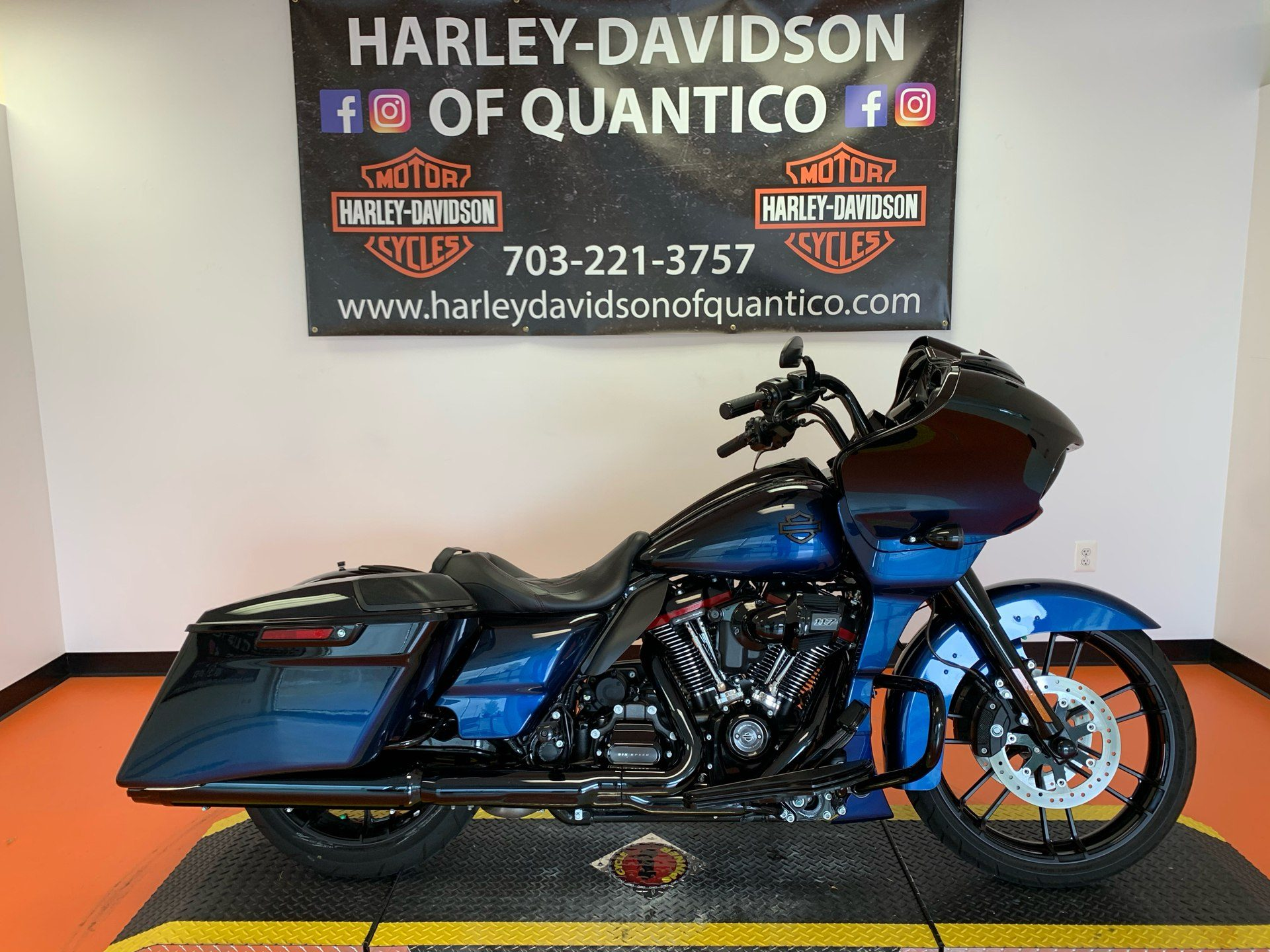 2019 Harley-Davidson CVO™ Road Glide® in Dumfries, Virginia - Photo 1