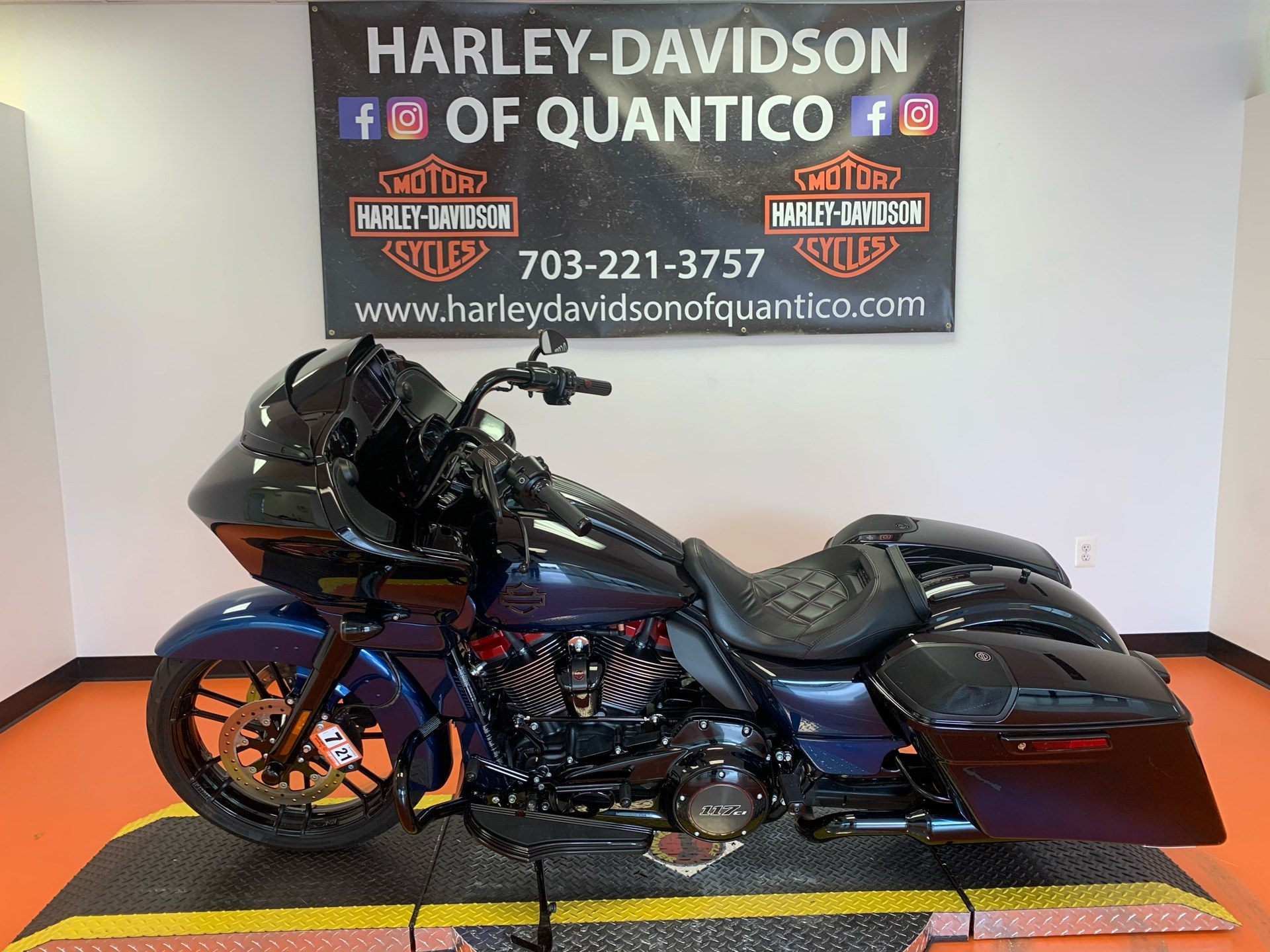 2019 Harley-Davidson CVO™ Road Glide® in Dumfries, Virginia - Photo 16