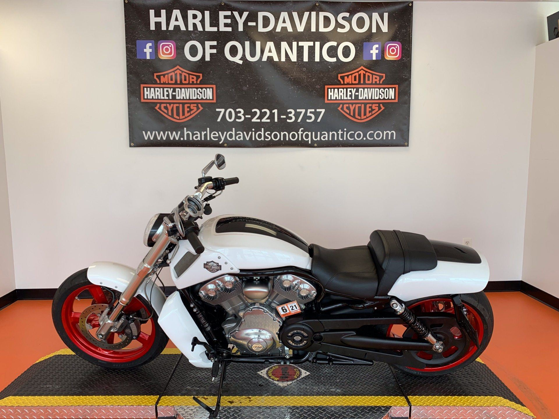 2016 Harley-Davidson V-Rod Muscle® in Dumfries, Virginia - Photo 10