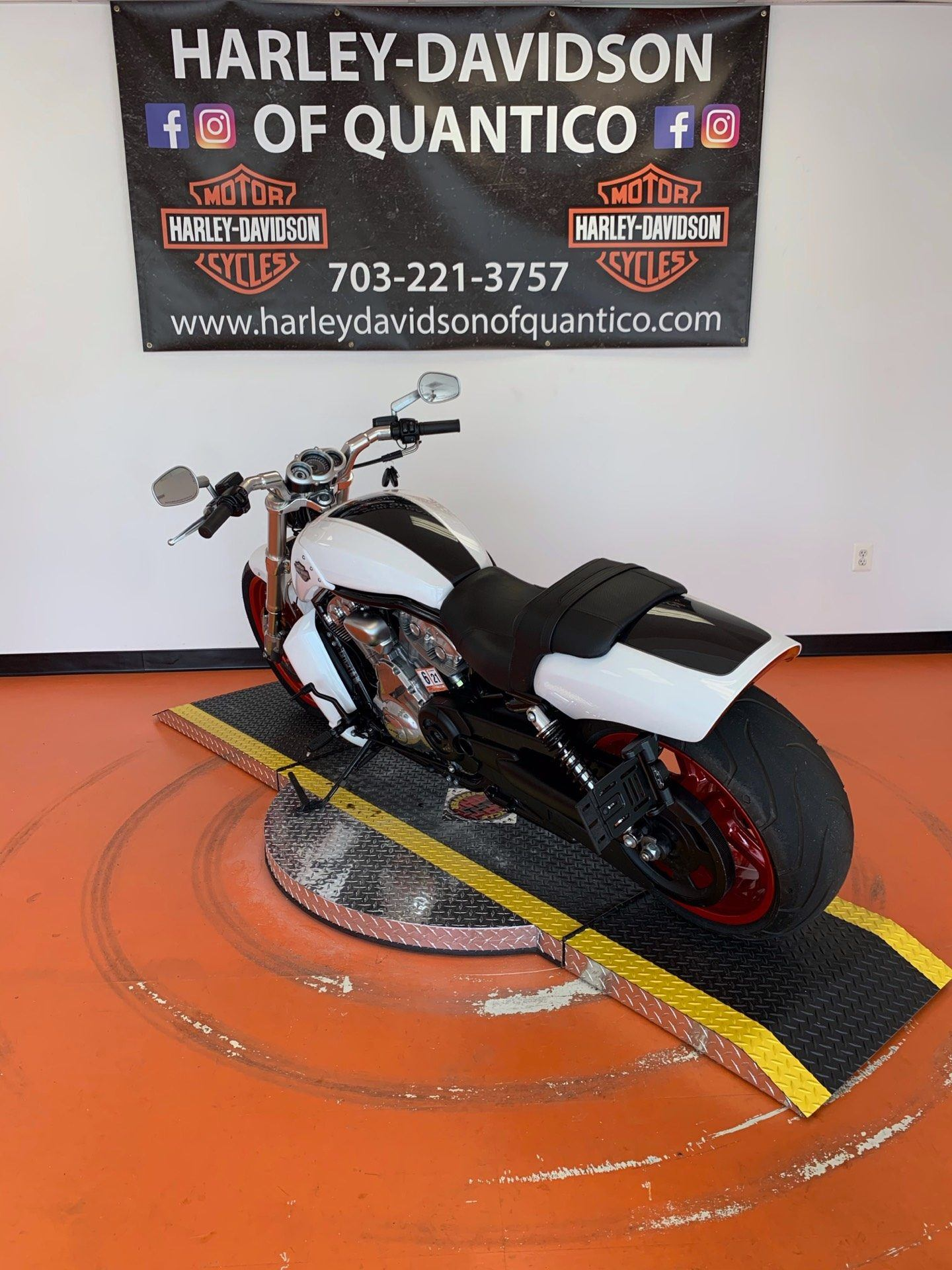 2016 Harley-Davidson V-Rod Muscle® in Dumfries, Virginia - Photo 14
