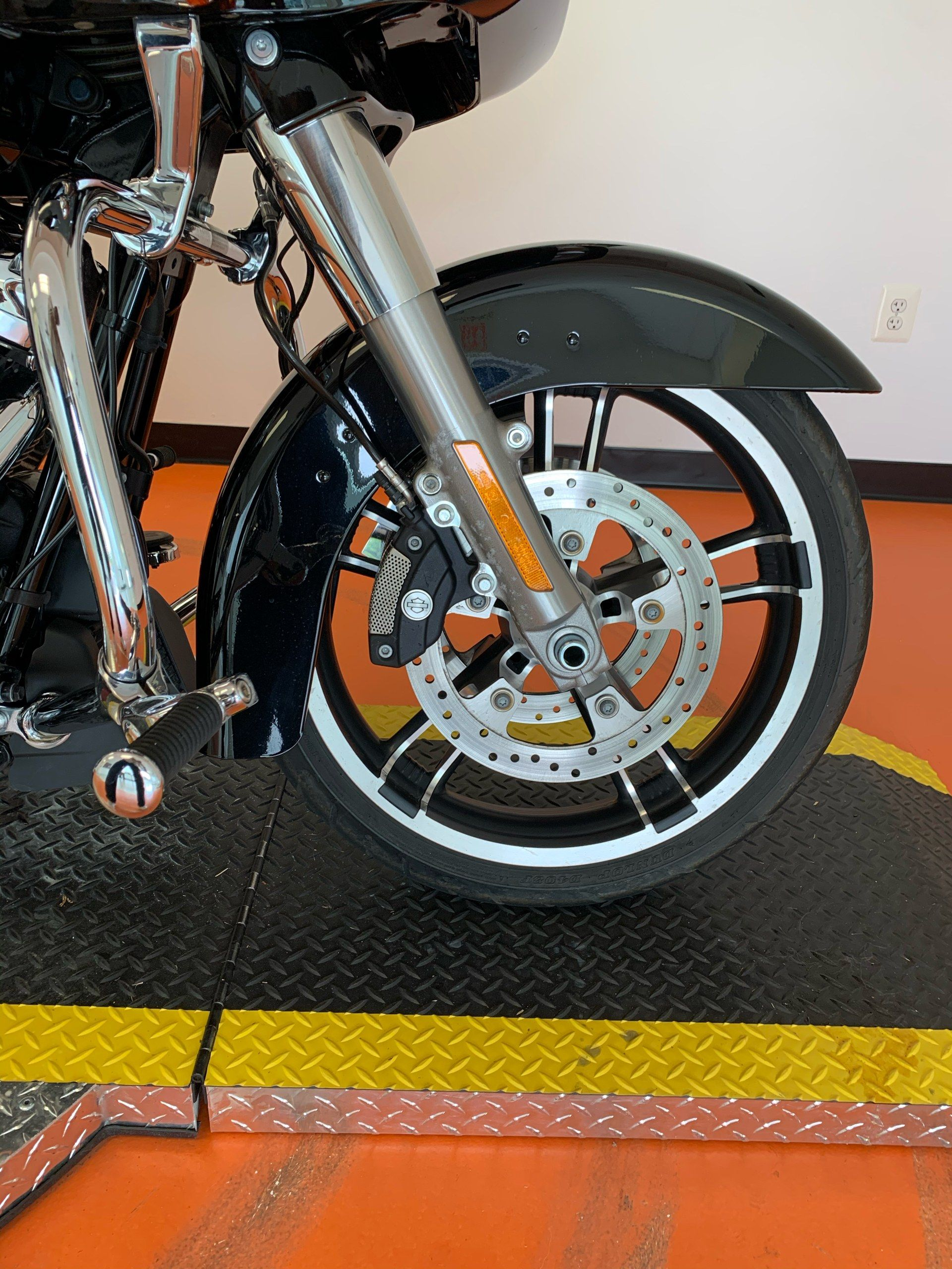 2017 Harley-Davidson Road Glide® Special in Dumfries, Virginia - Photo 4