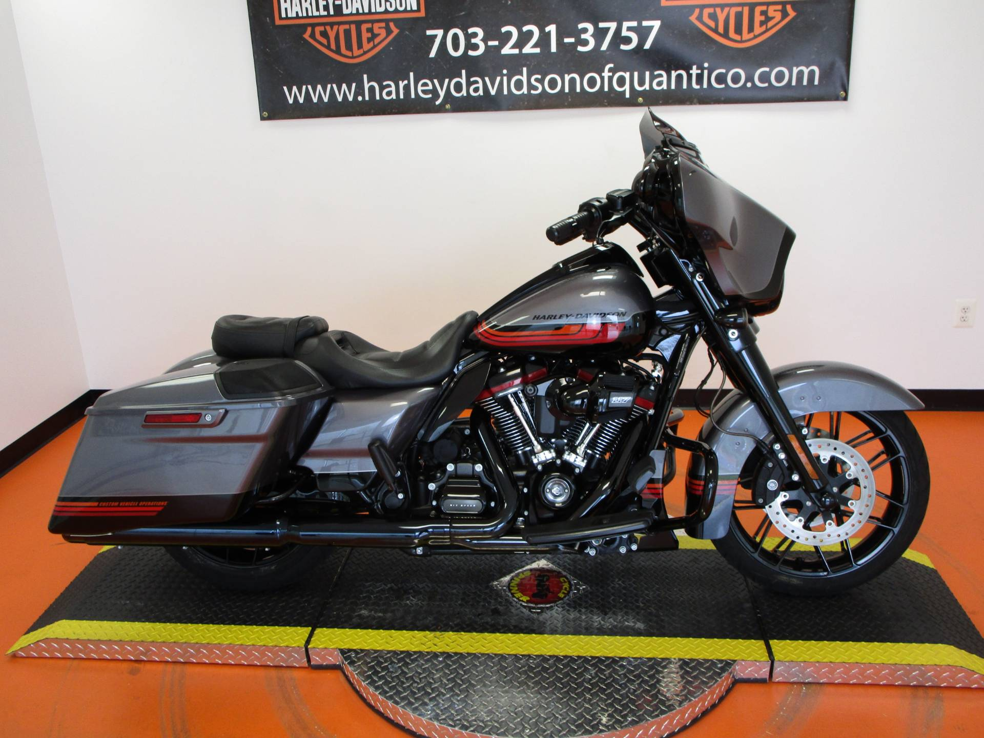 2020 Harley-Davidson CVO™ Street Glide® in Dumfries, Virginia - Photo 2