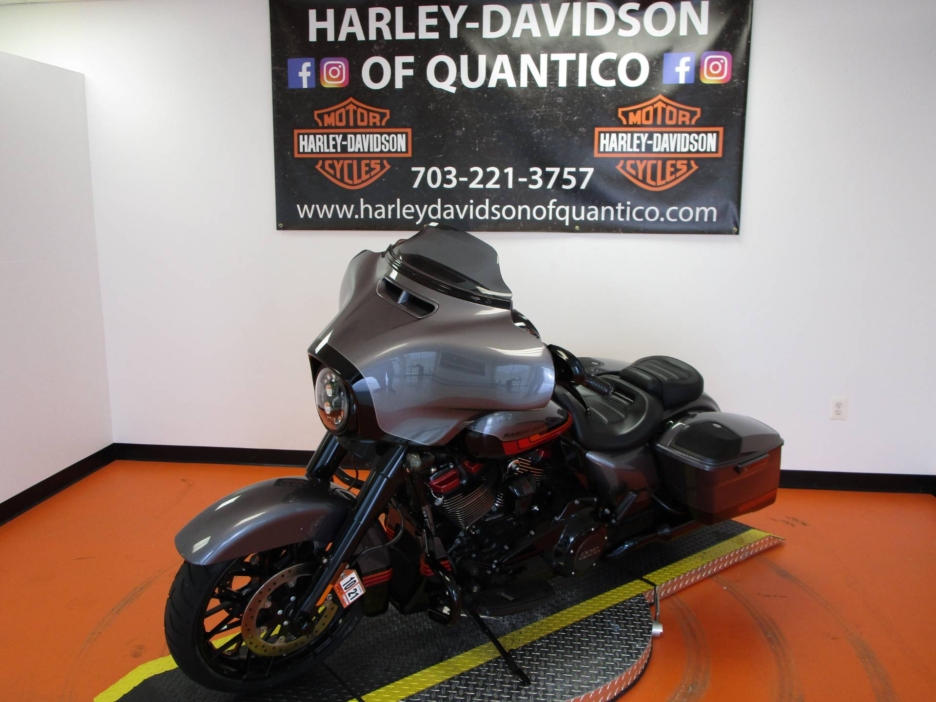 2020 Harley-Davidson CVO™ Street Glide® in Dumfries, Virginia - Photo 17