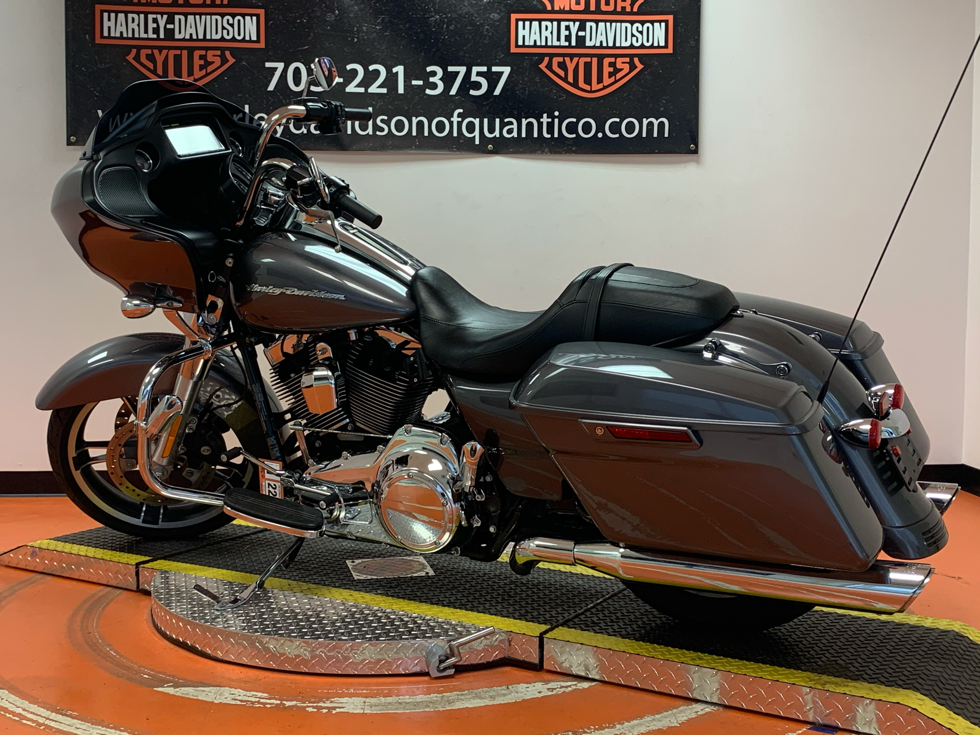 2016 Harley-Davidson Road Glide® in Dumfries, Virginia - Photo 15