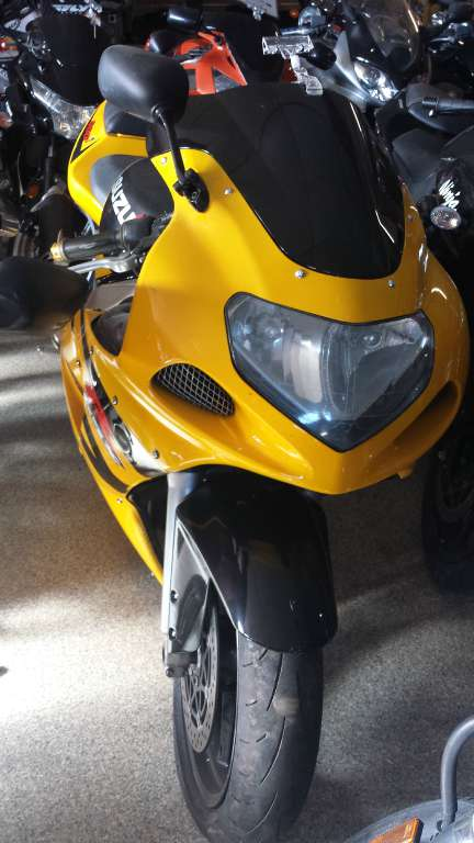 2003 Suzuki GSX-R600 in Ottawa, Kansas - Photo 2