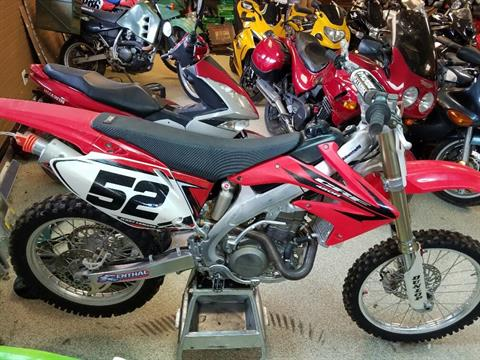 2006 Honda CRF™450R in Ottawa, Kansas - Photo 1