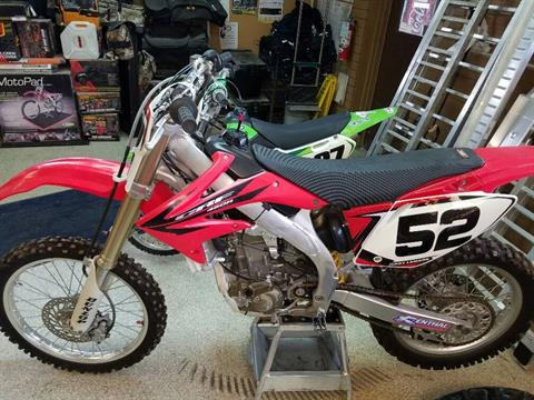 2006 Honda CRF™450R in Ottawa, Kansas - Photo 2