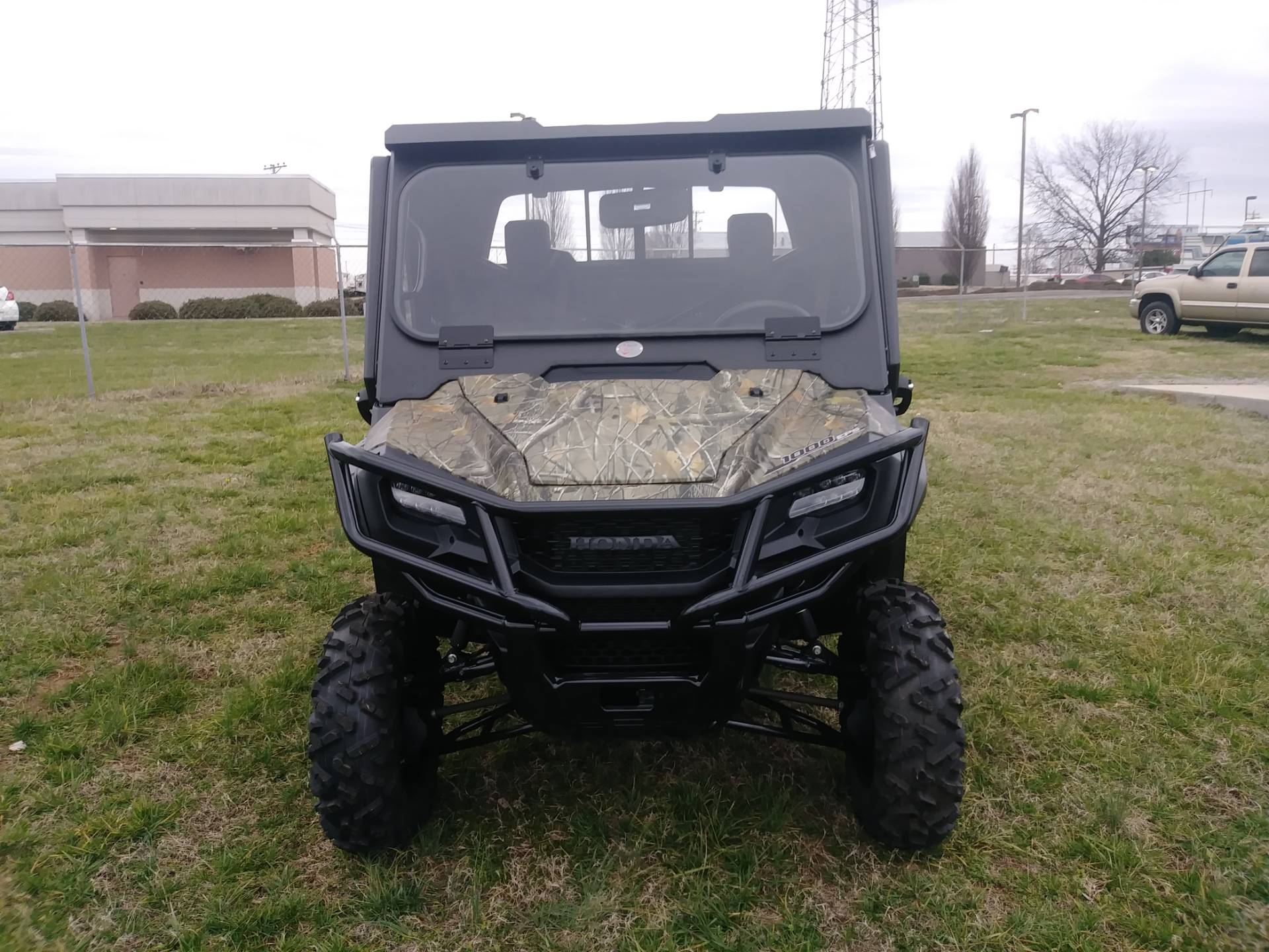 2020 Honda Pioneer 1000 Deluxe in Winchester, Tennessee - Photo 2