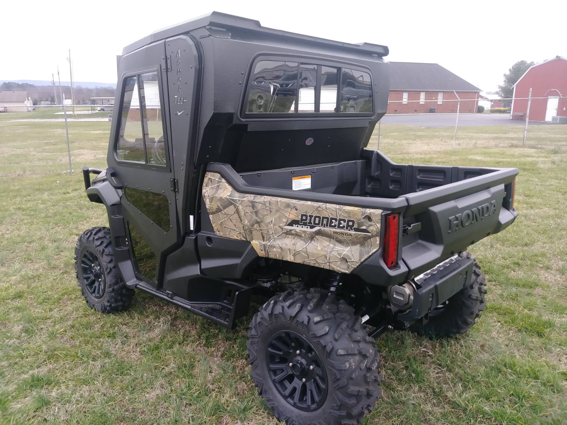 2020 Honda Pioneer 1000 Deluxe in Winchester, Tennessee - Photo 5