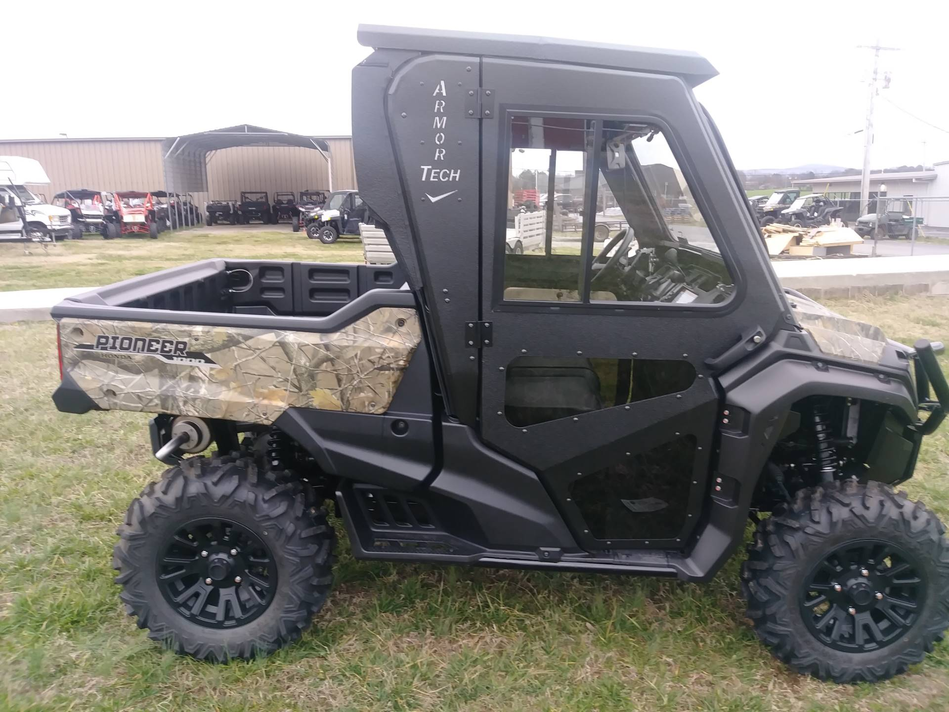 2020 Honda Pioneer 1000 Deluxe in Winchester, Tennessee - Photo 8