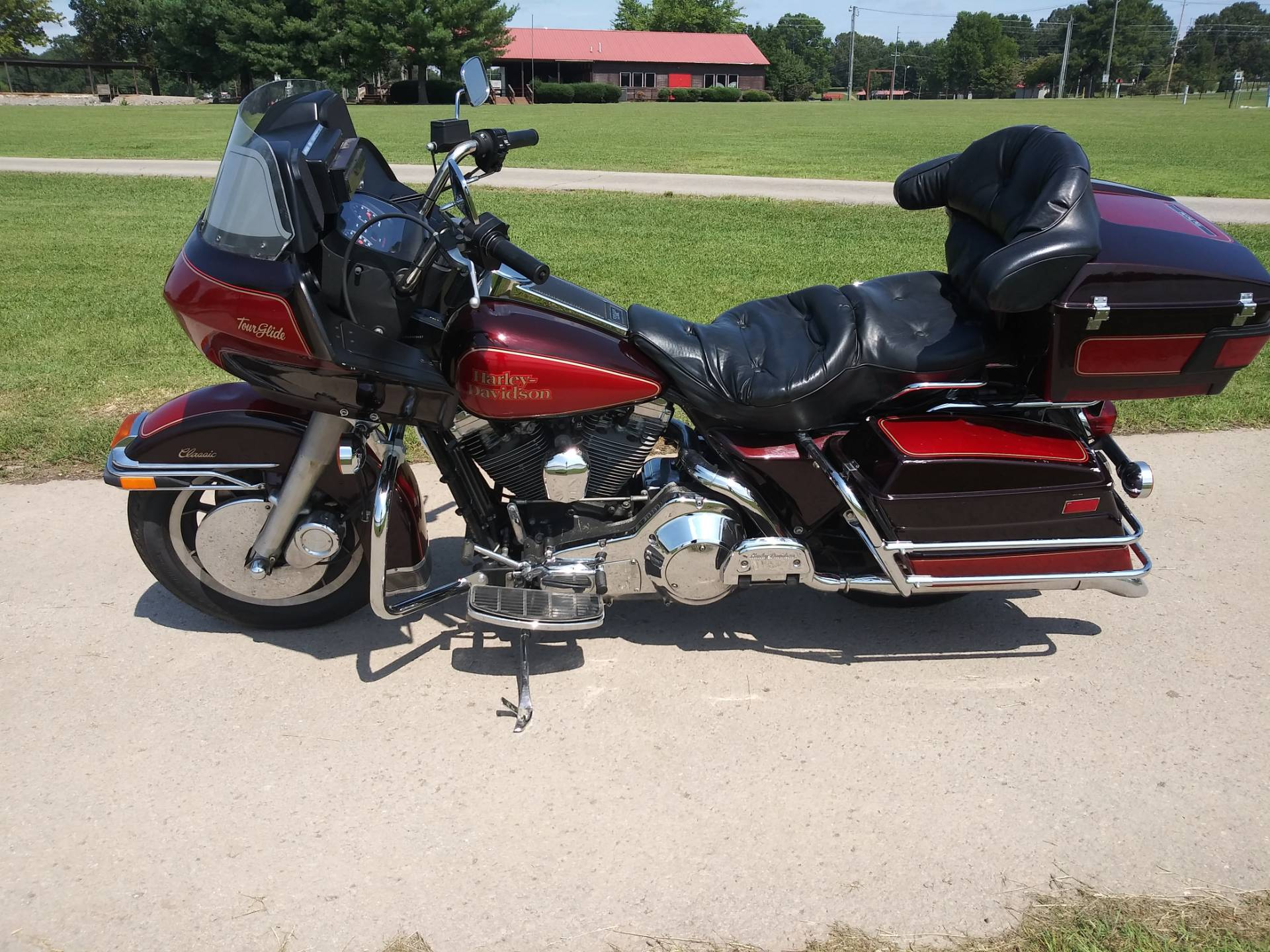 1990 Harley-Davidson FLTC Tour Glide in Winchester, Tennessee - Photo 2