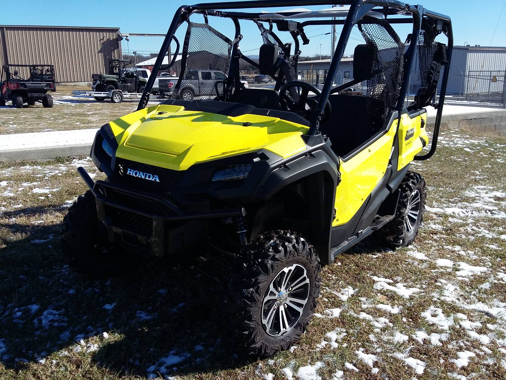 2018 Honda Pioneer 1000-5 Deluxe in Winchester, Tennessee