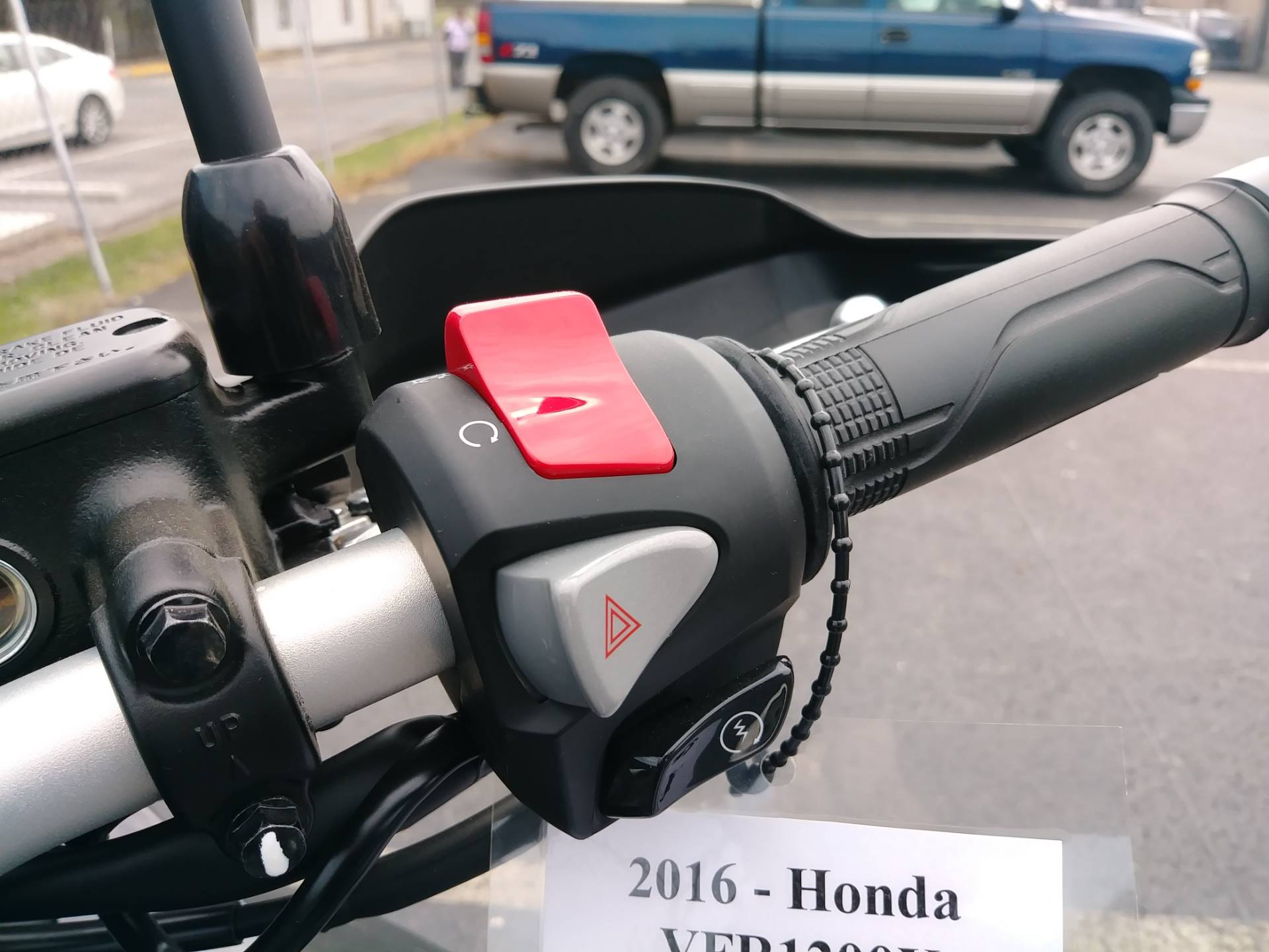 2016 Honda VFR1200X in Winchester, Tennessee - Photo 15