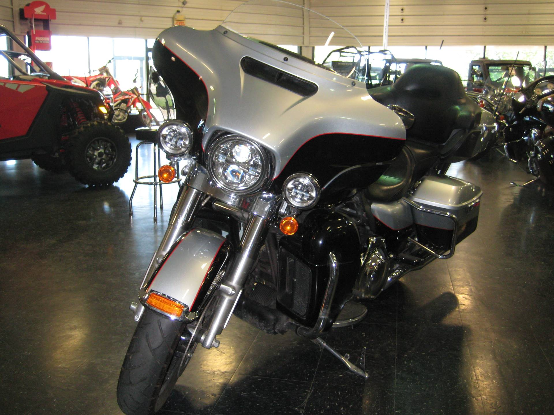 2015 Harley-Davidson Ultra Limited Low in Broken Arrow, Oklahoma - Photo 4