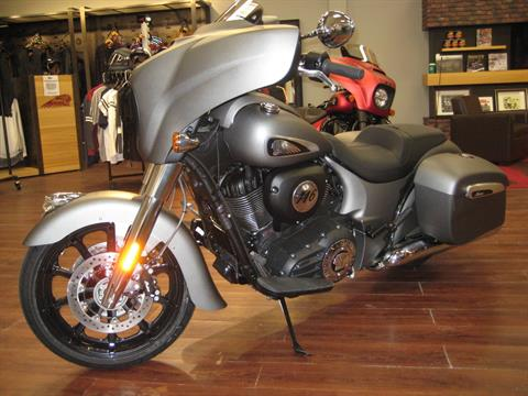 2020 Indian Chieftain® in Broken Arrow, Oklahoma - Photo 2