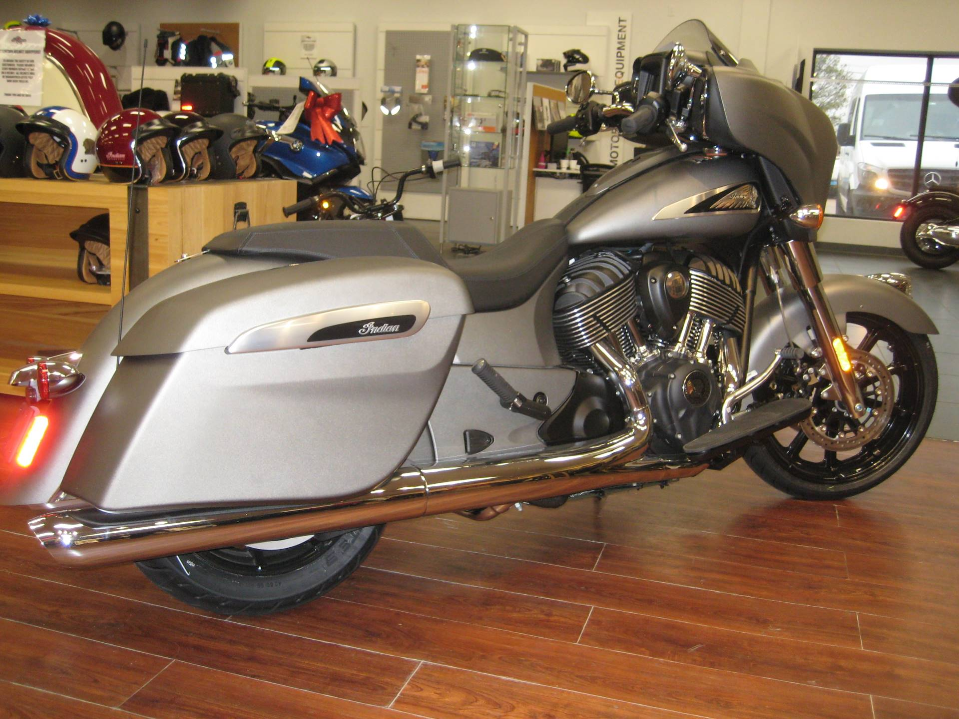 2020 Indian Chieftain® in Broken Arrow, Oklahoma - Photo 3