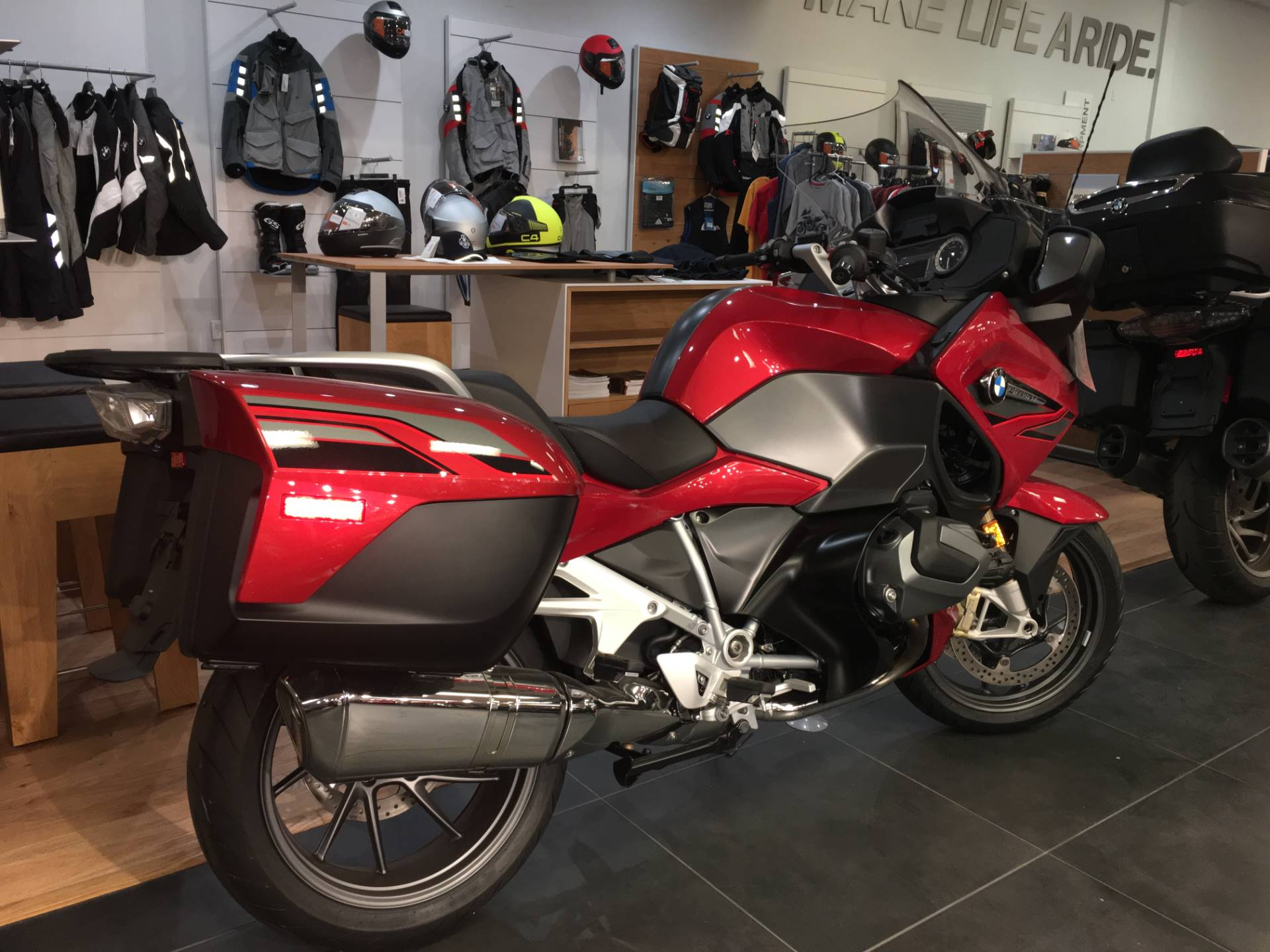 2019 BMW R 1250 RT in Broken Arrow, Oklahoma - Photo 2