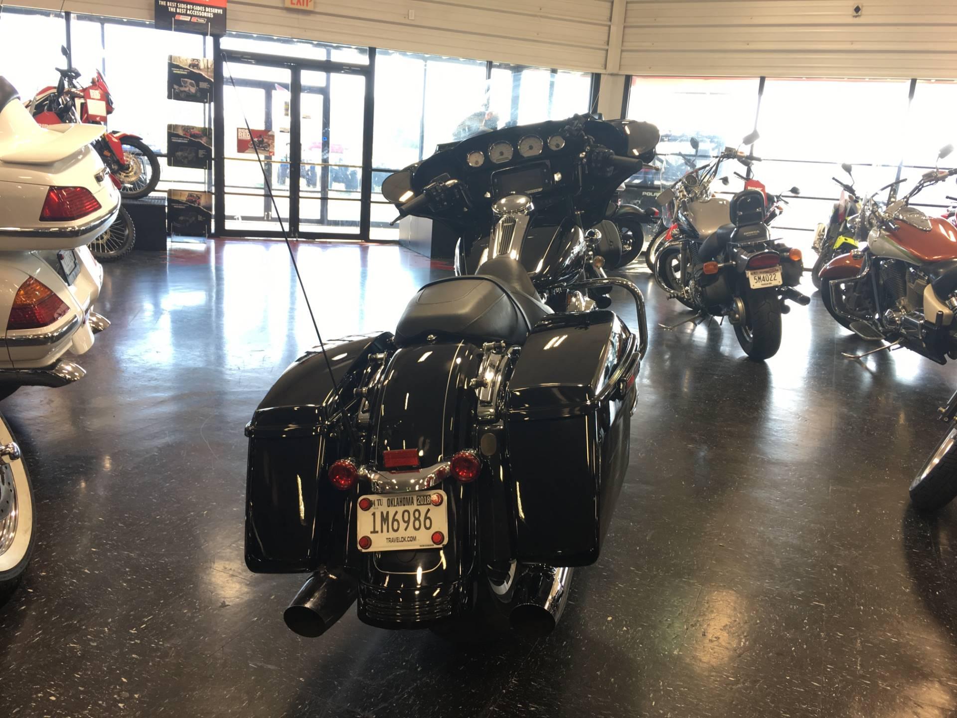 2016 Harley-Davidson Street Glide Special 2