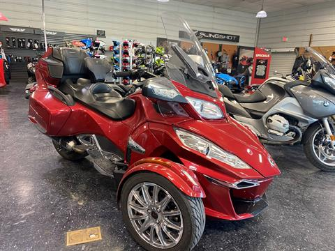 2016 Can-Am Spyder RT Limited in Broken Arrow, Oklahoma - Photo 1