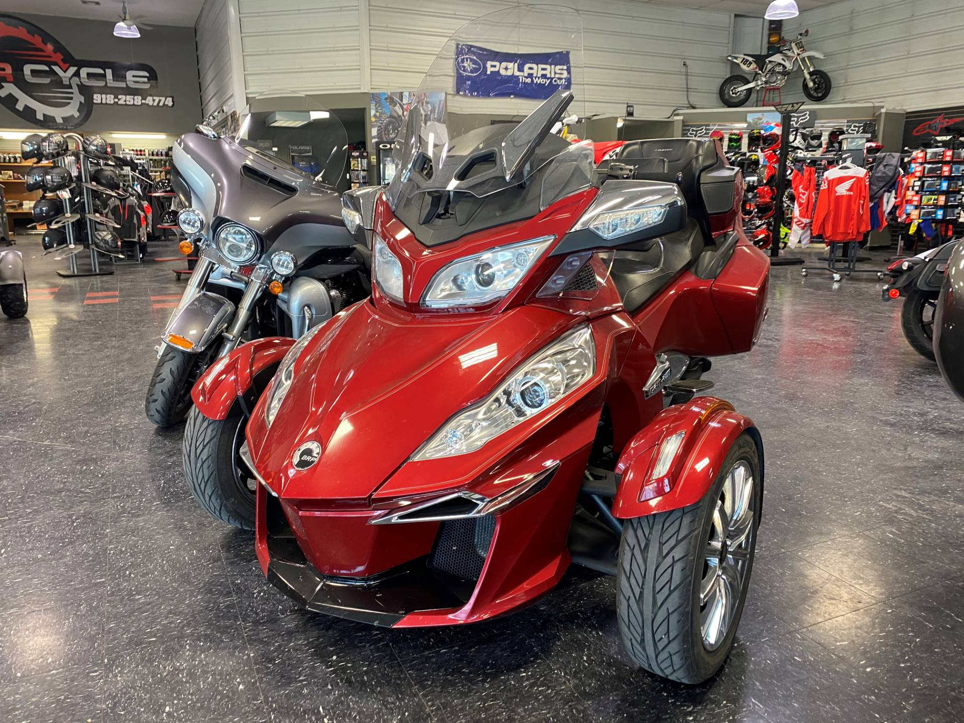 2016 Can-Am Spyder RT Limited in Broken Arrow, Oklahoma - Photo 4