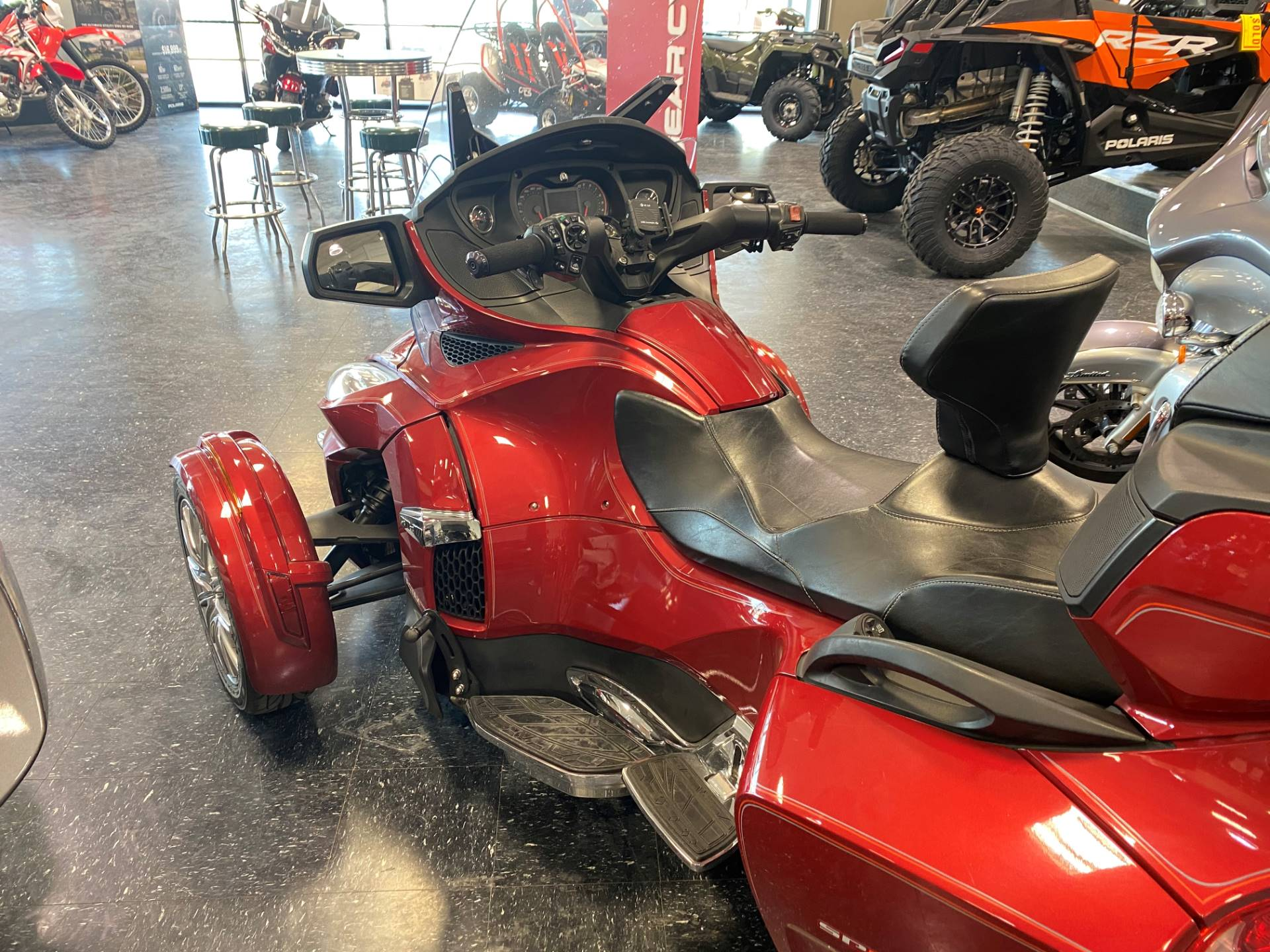 2016 Can-Am Spyder RT Limited in Broken Arrow, Oklahoma - Photo 5