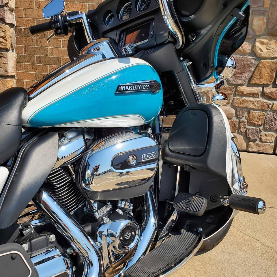 2017 Harley-Davidson Electra Glide® Ultra Classic® in Erie, Pennsylvania - Photo 3