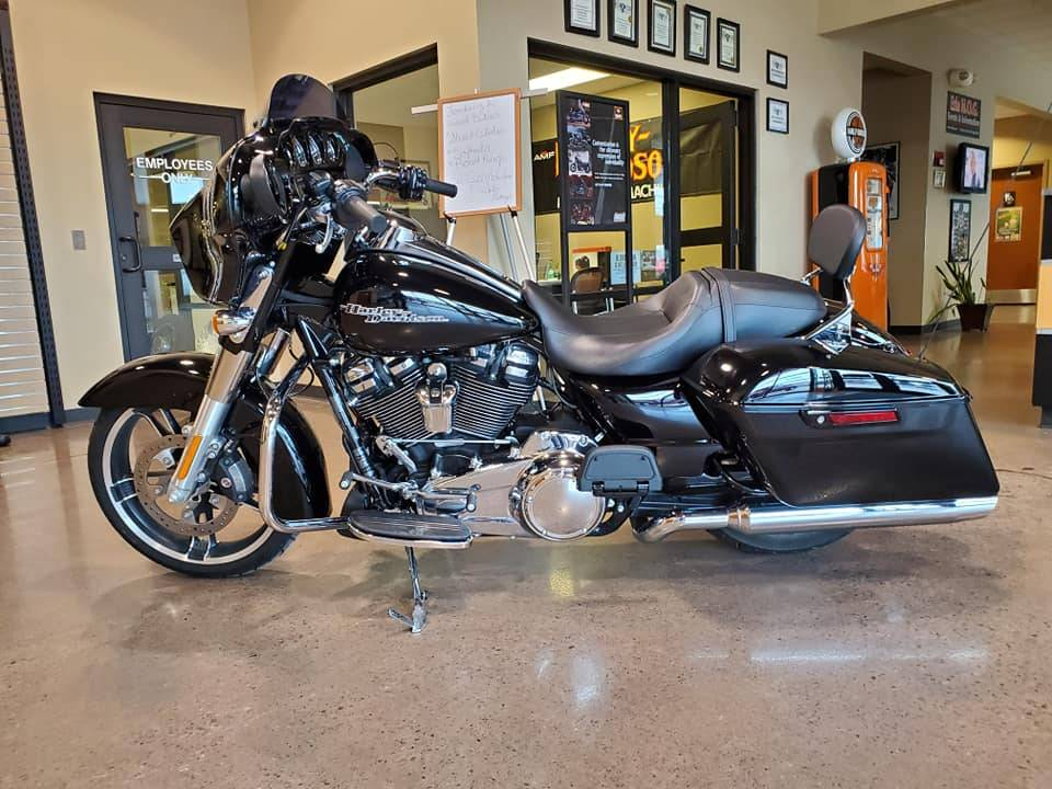 2017 Harley-Davidson Street Glide® Special in Erie, Pennsylvania - Photo 2