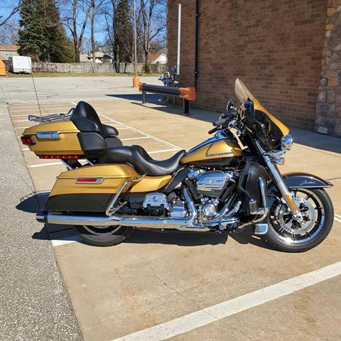 2017 Harley-Davidson Ultra Limited in Erie, Pennsylvania - Photo 2