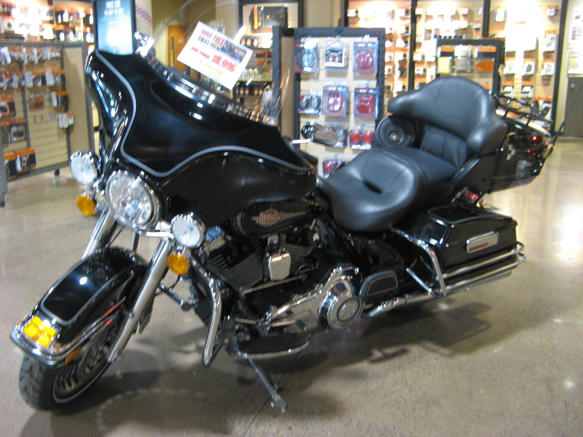2011 Harley-Davidson Electra Glide® Classic in Erie, Pennsylvania - Photo 2
