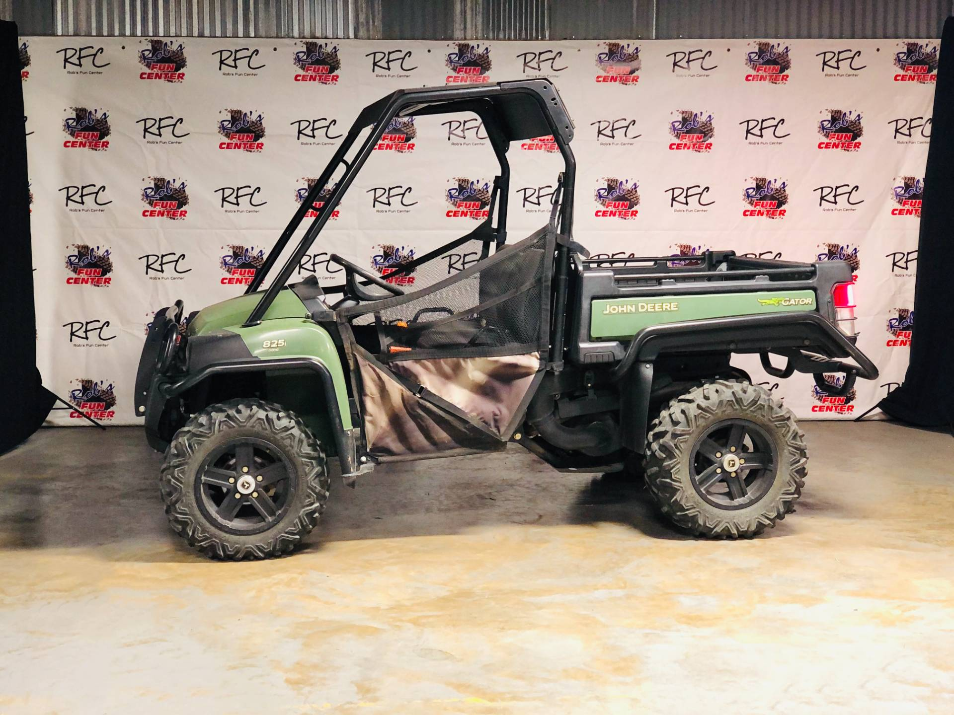2017 John Deere Gator XUV825i in Brenham, Texas - Photo 2