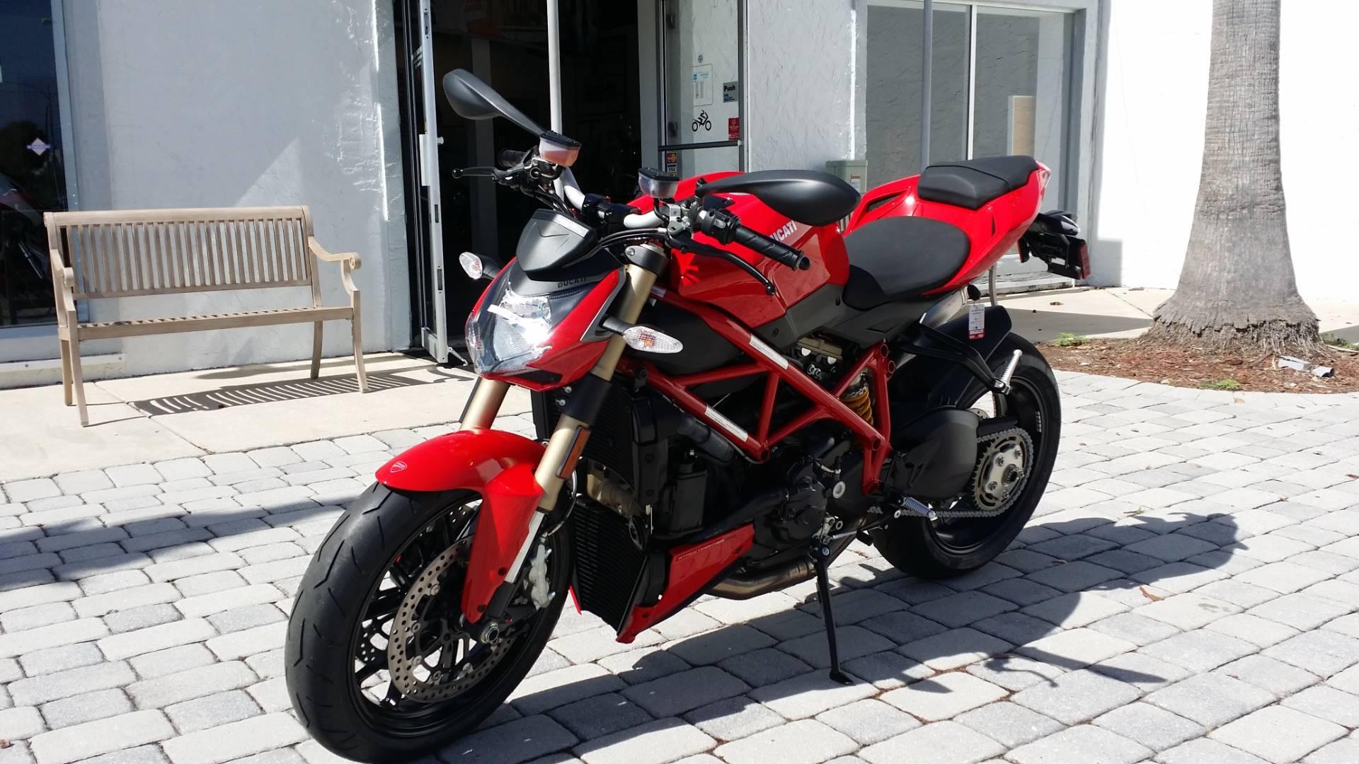 2015 Ducati Streetfighter 848 in Daytona Beach, Florida