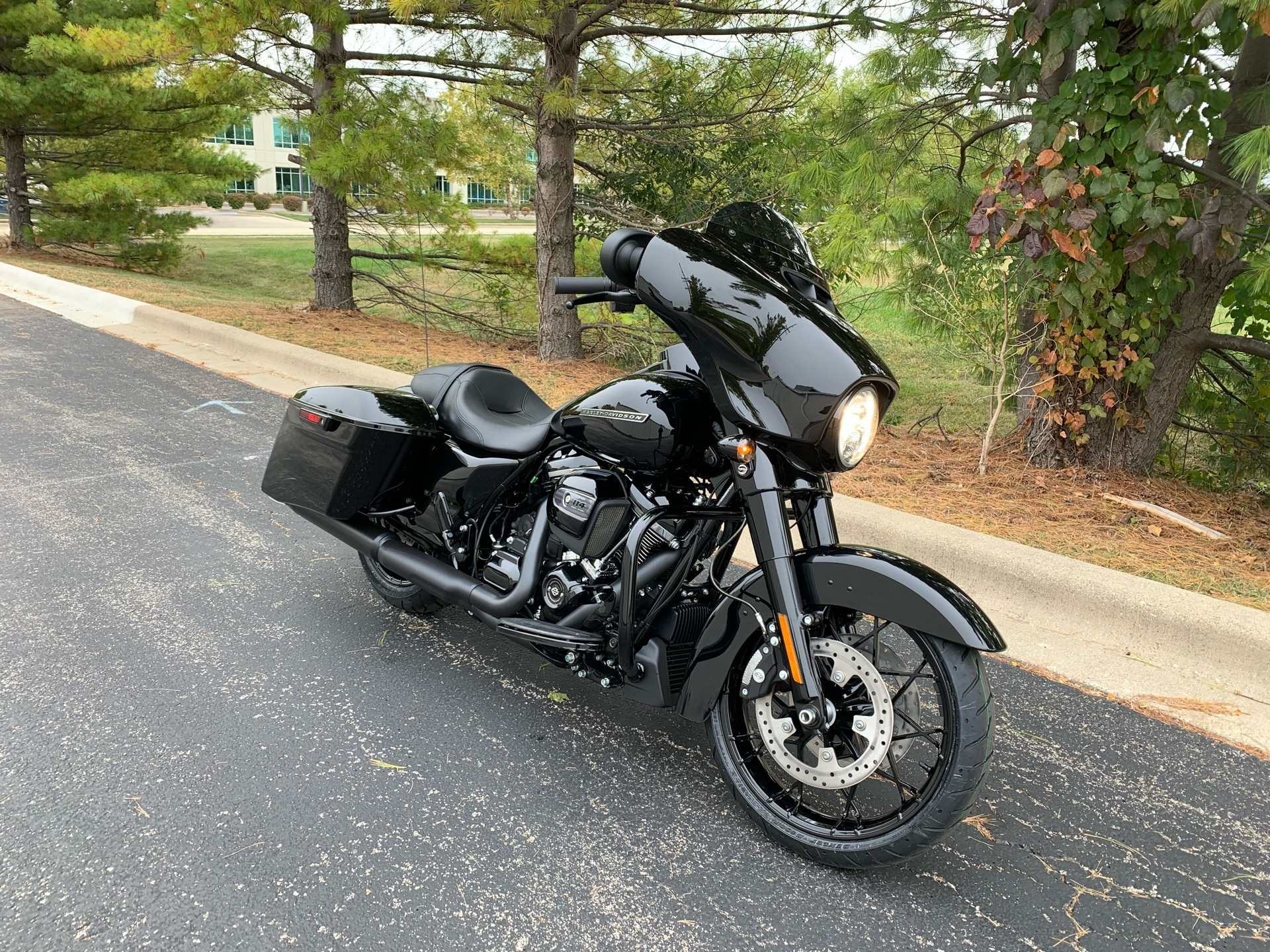 2020 Harley-Davidson Street Glide® Special in Forsyth, Illinois - Photo 3